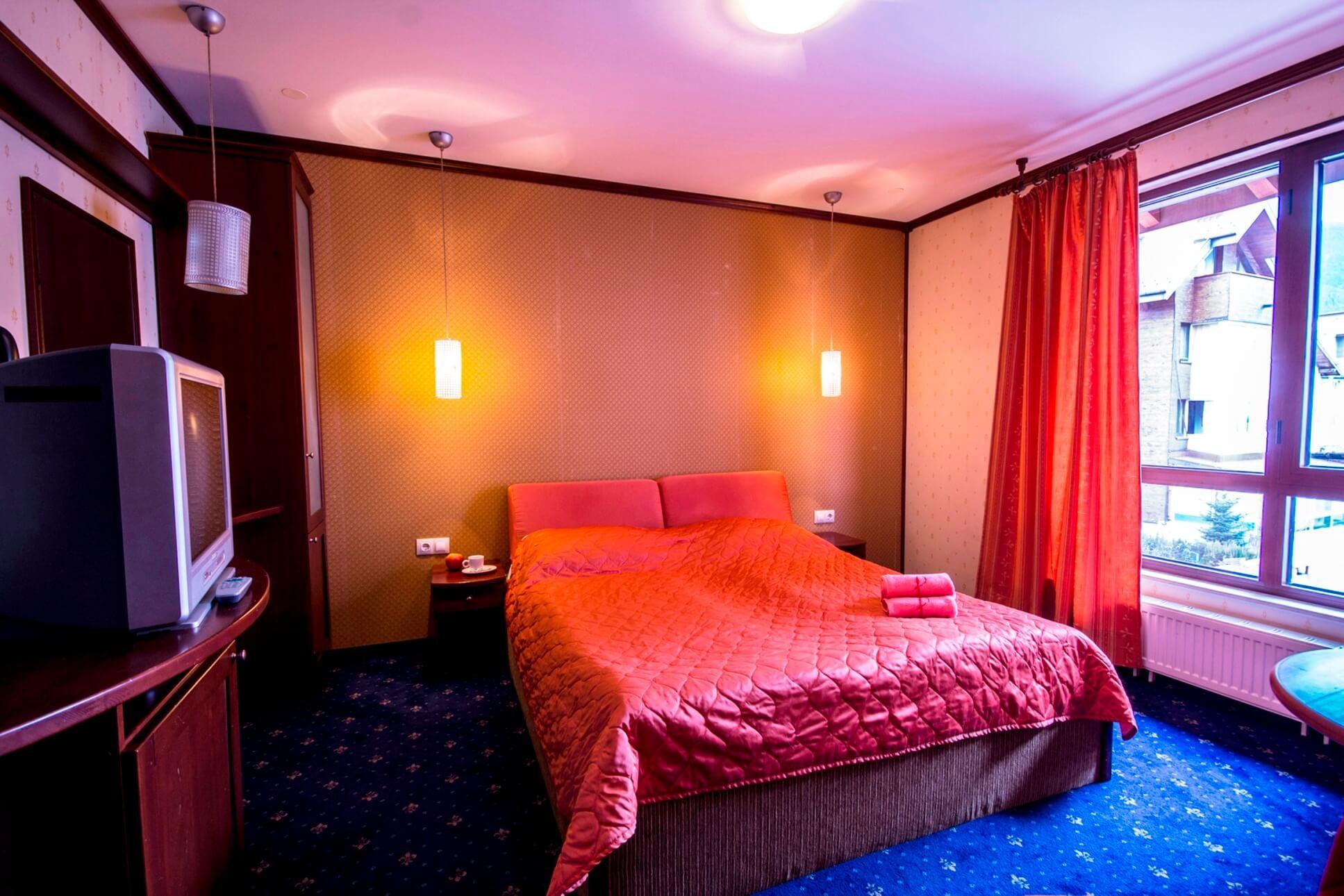 Хотел Френдс - Оферта за 8-ми декември - стая