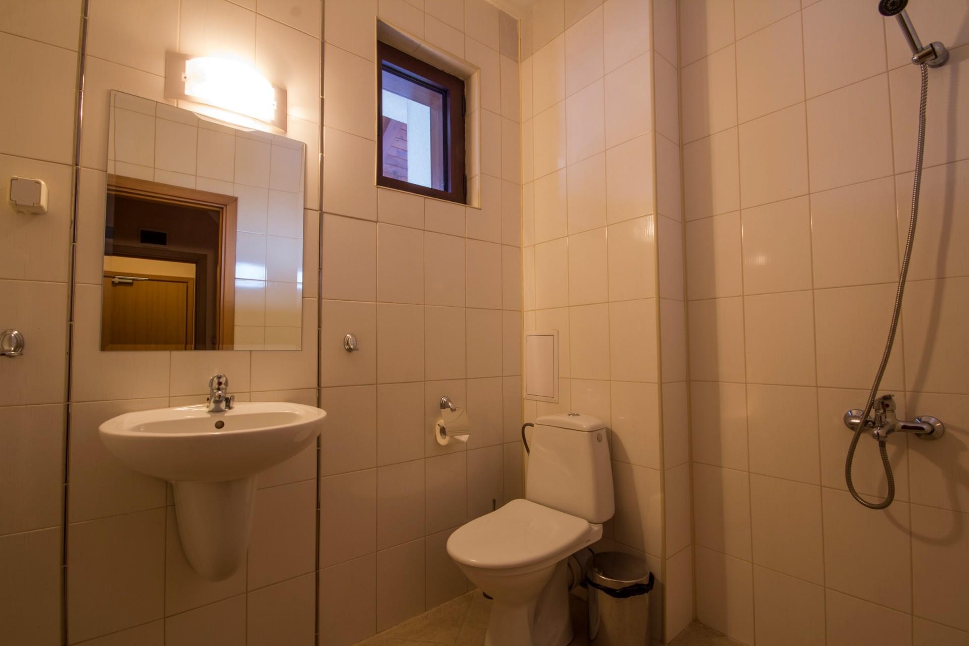 Хотел Френдс - Оферта за 8-ми декември - баня