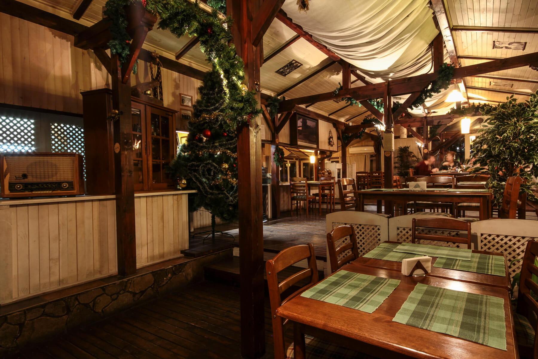Хотел Френдс - Оферта за 8-ми декември - ресторант