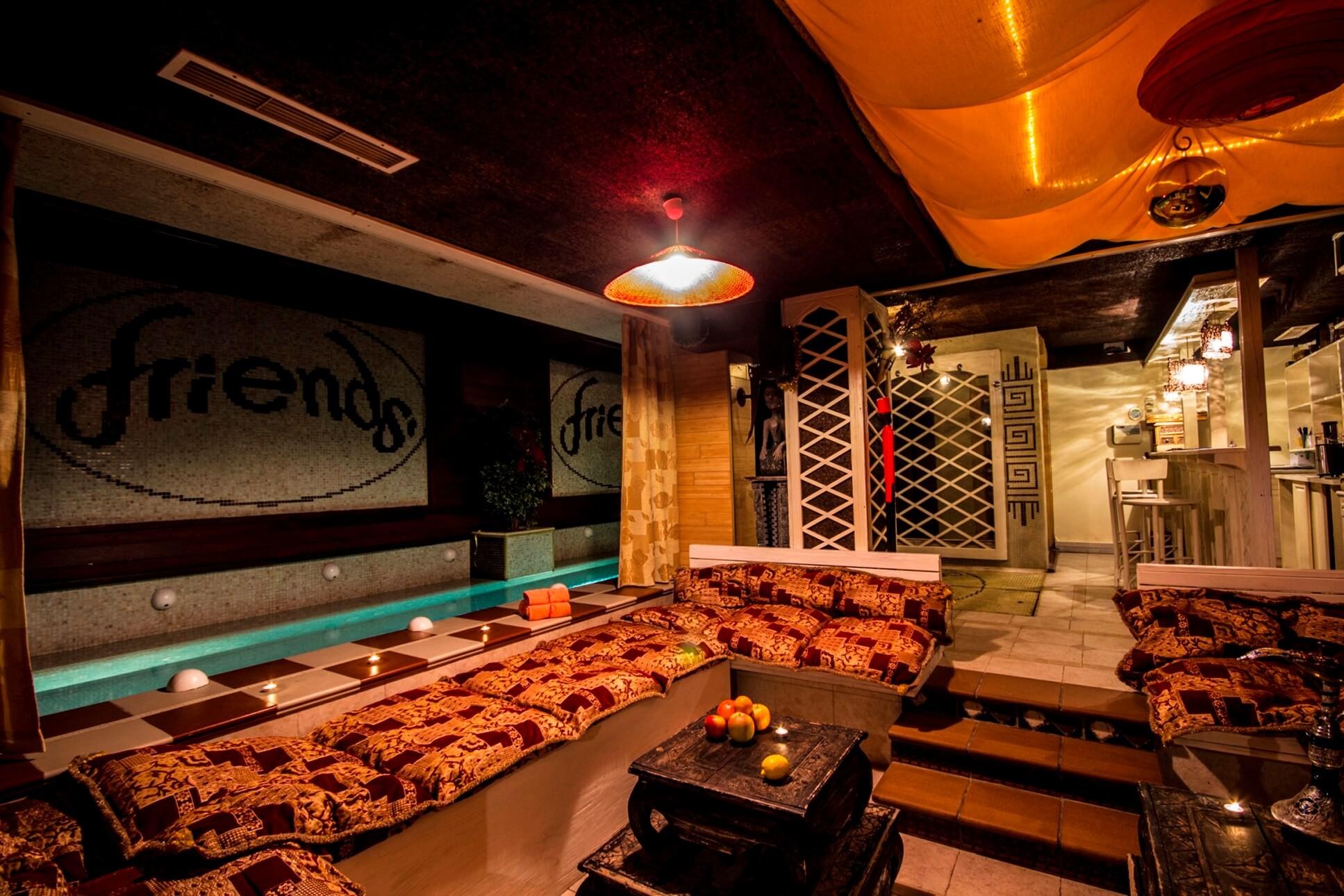 Хотел Френдс - Оферта за 8-ми декември - релакс зона