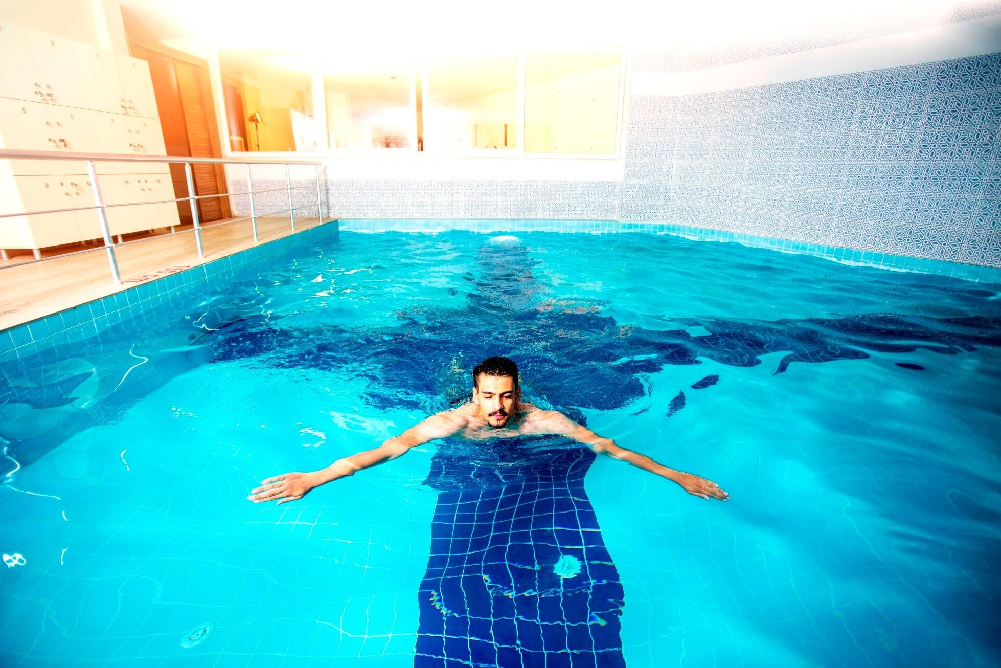 Belmare Hotel - вътрешен басейн