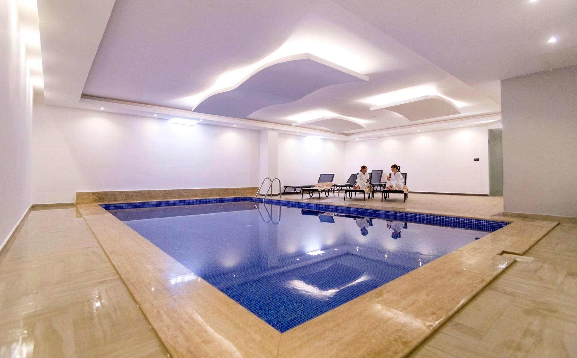 Musho - вътрешен басейн