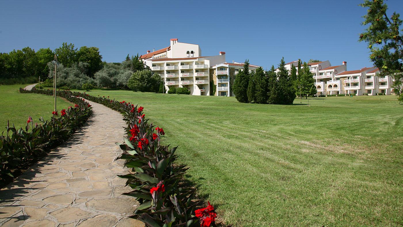 Хотел Пеликан - градина