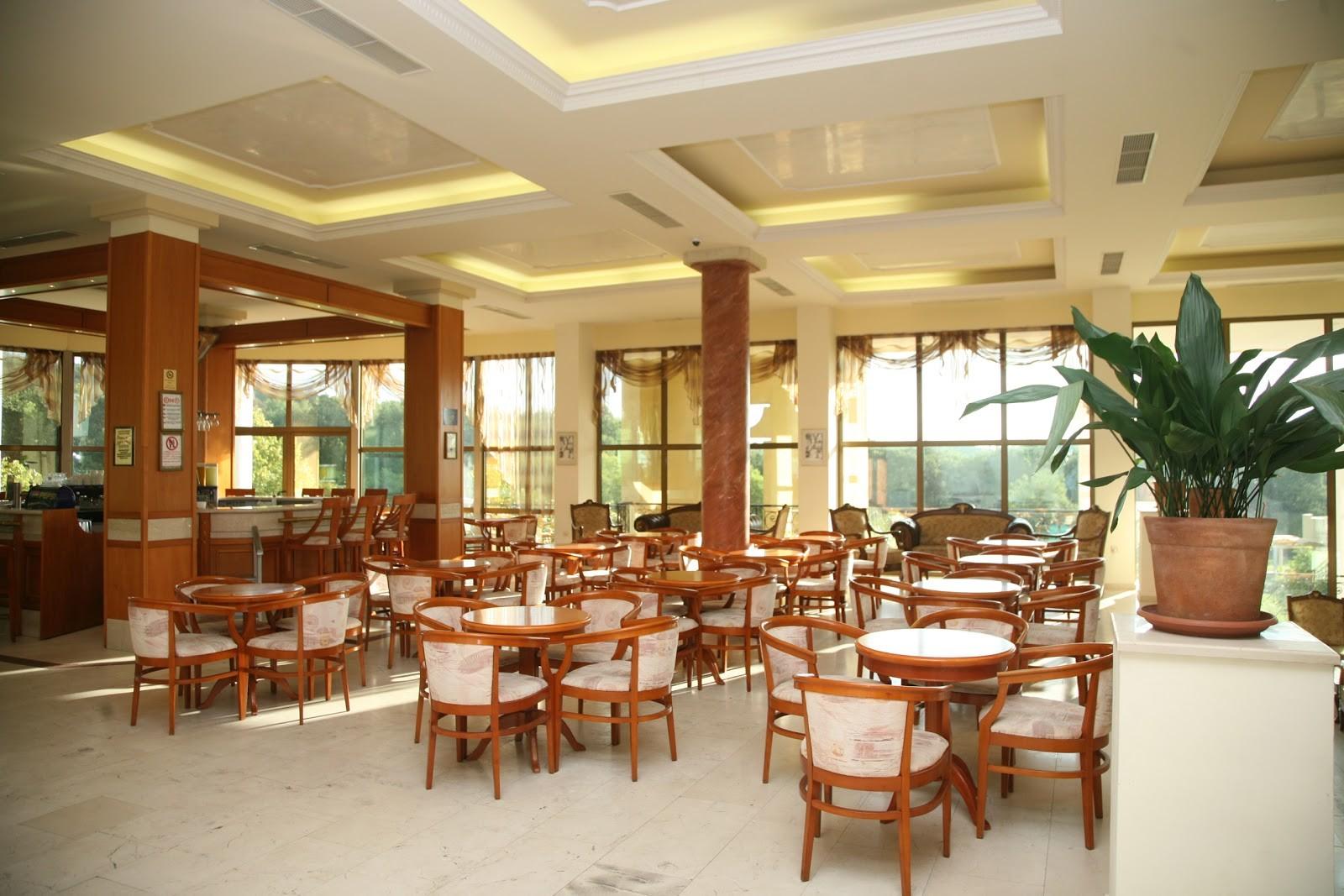 Хотел Белвил - лоби бар