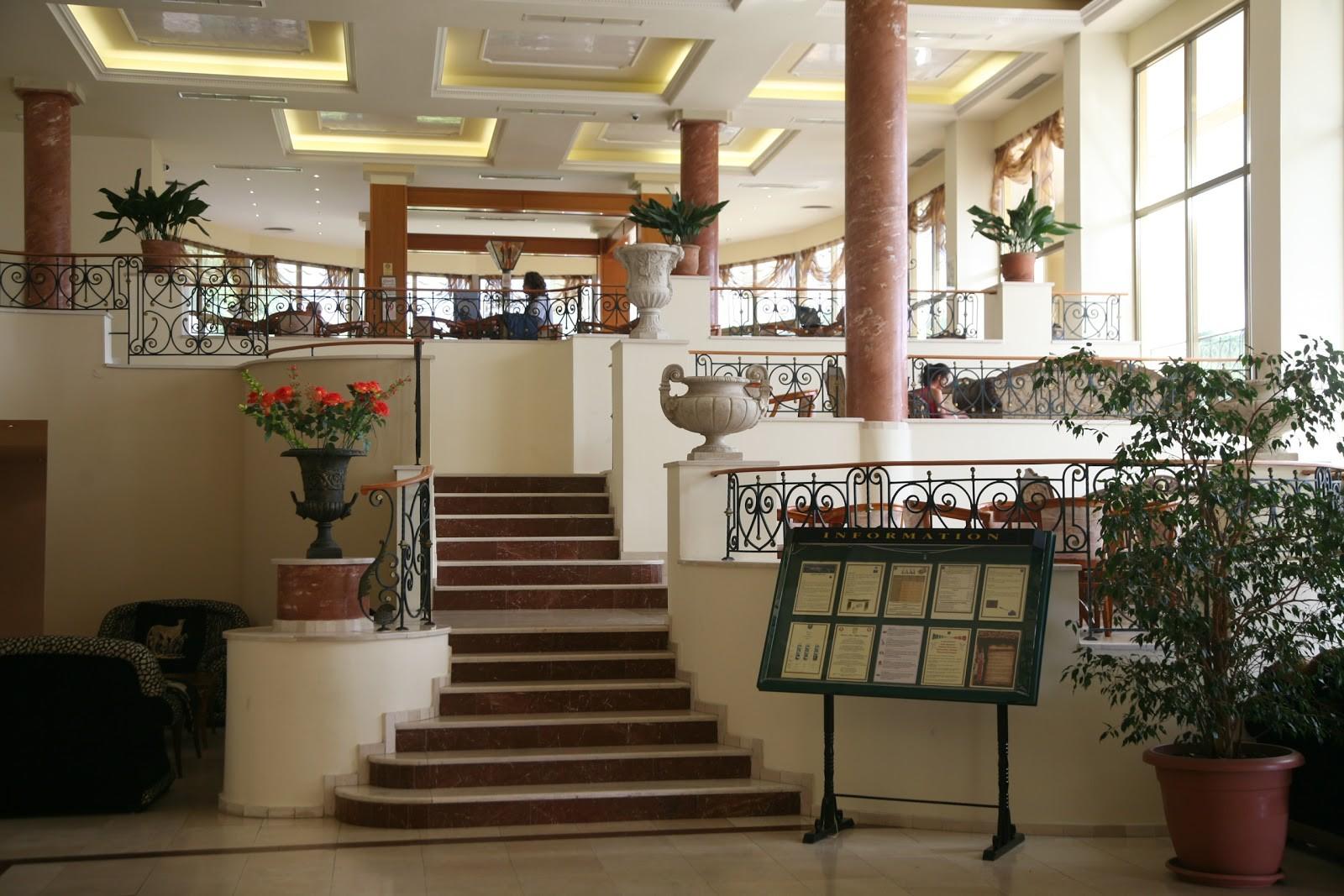 Хотел Белвил - лоби