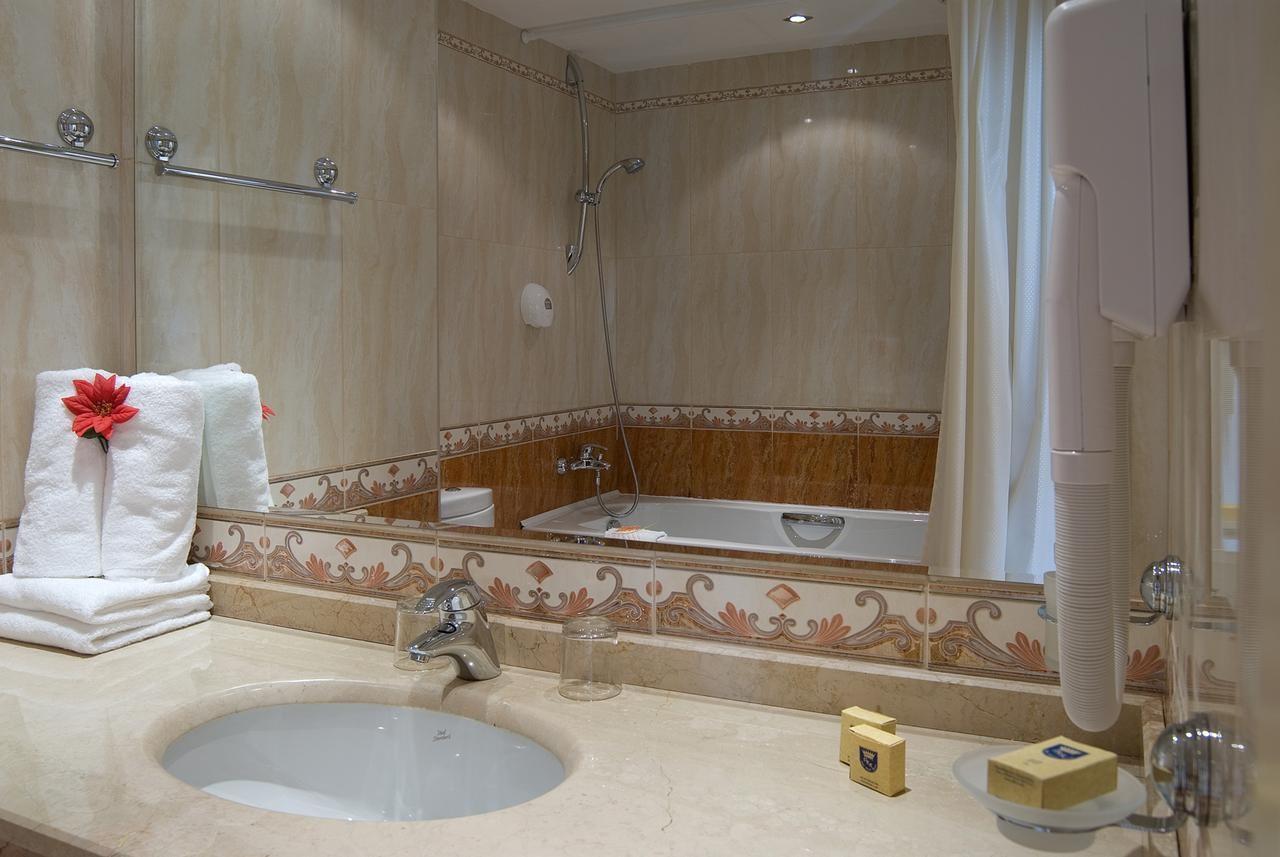 Хотел Марина Бийч - баня