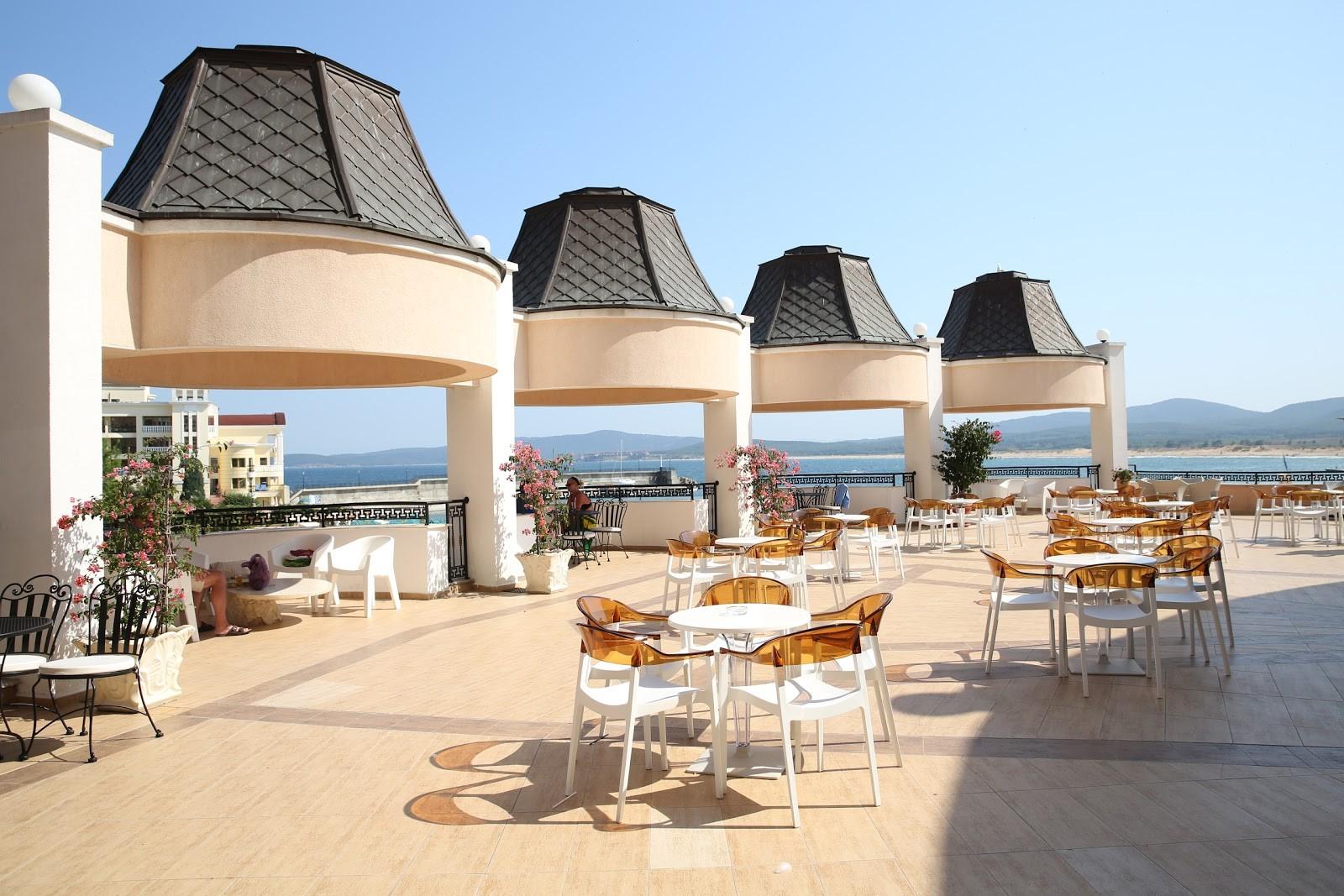 Хотел Марина Бийч - лоби бар тераса