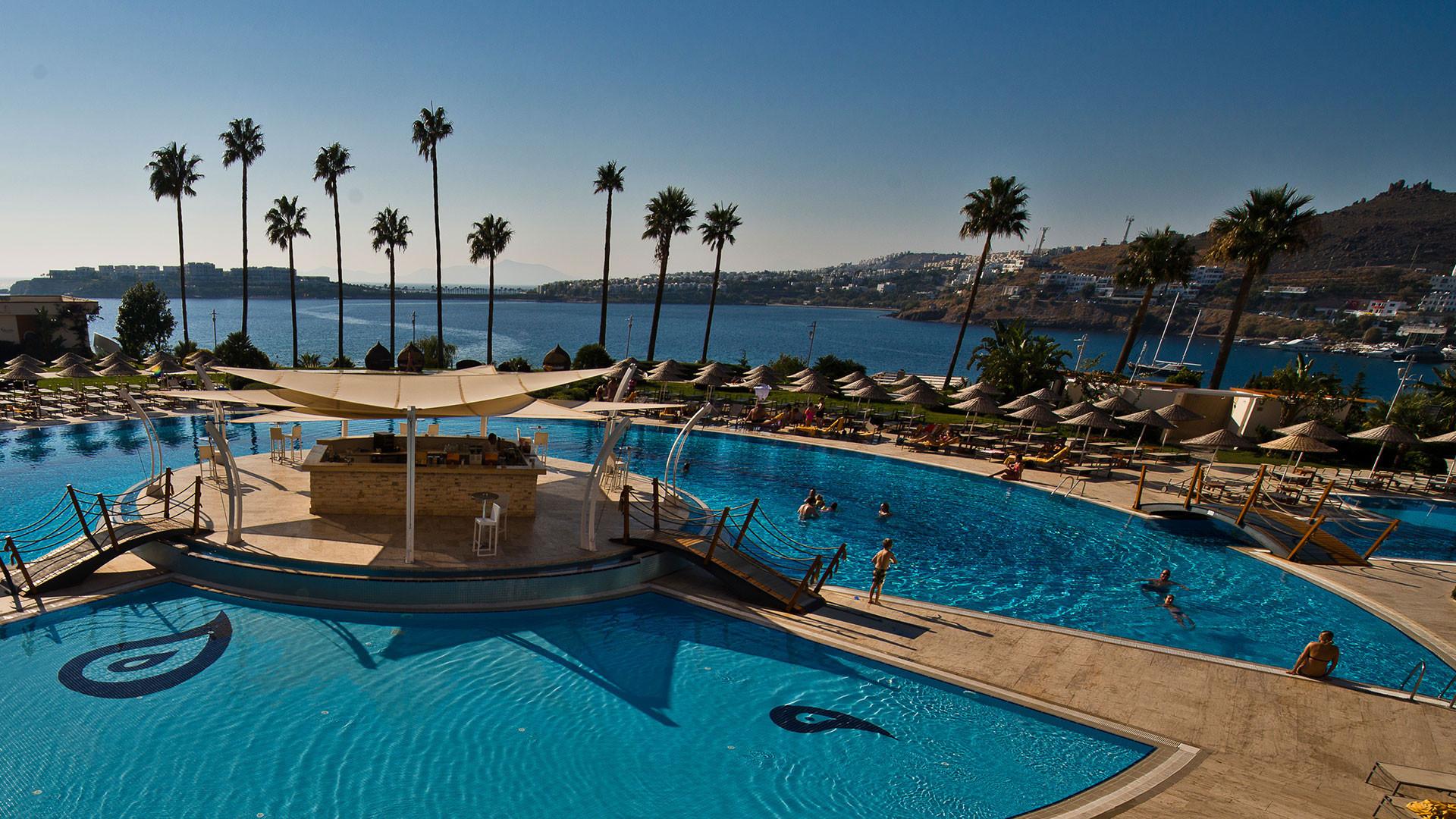 Kefaluka Resort - бар на басейна