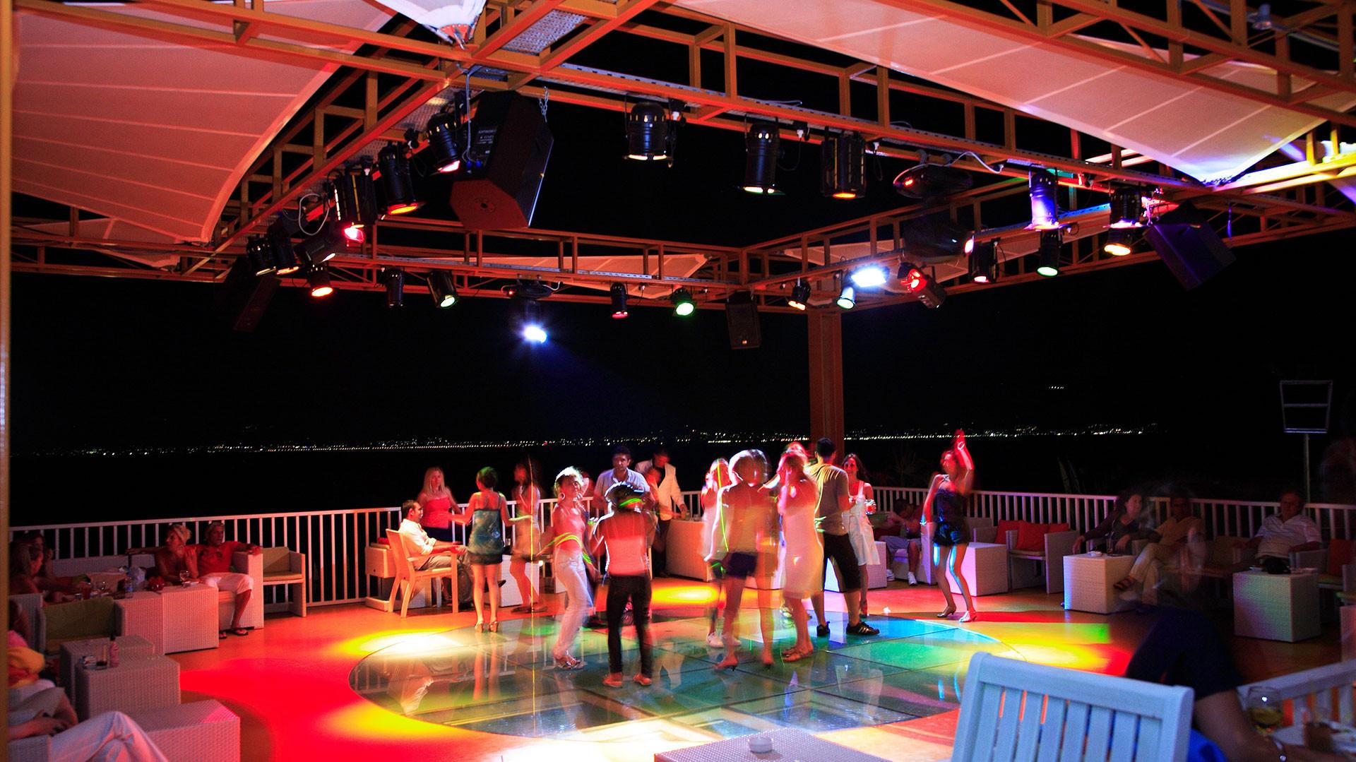 Kefaluka Resort - нощен бар