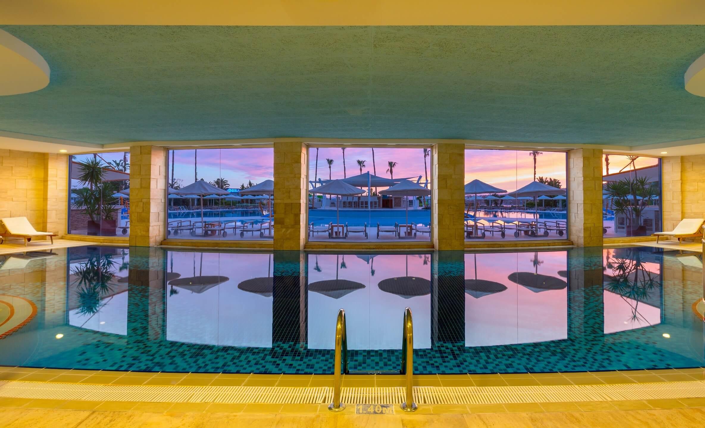 Kefaluka Resort - закрит басейн