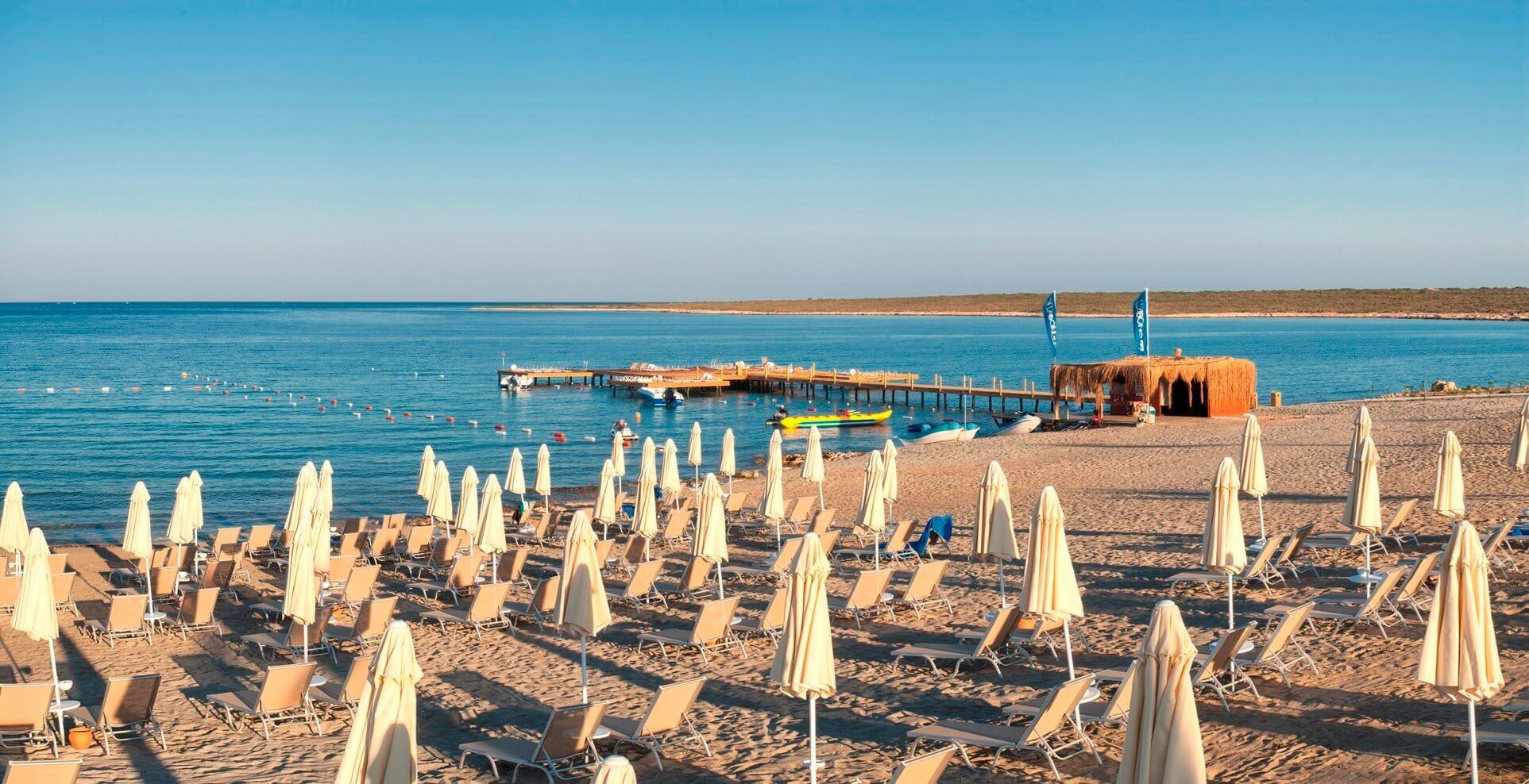 Aquasis De Luxe Resort & Spa - плаж