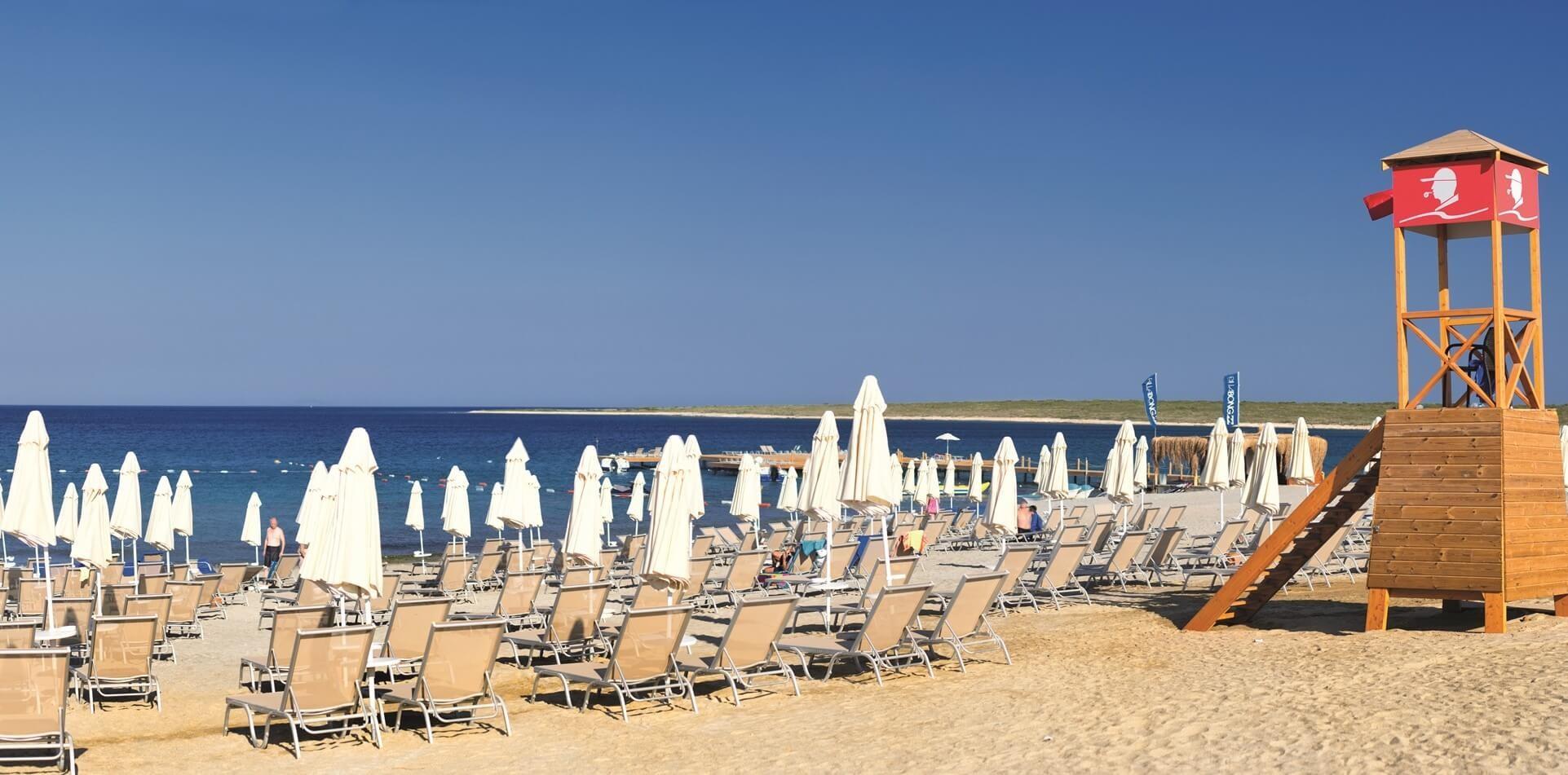 Aquasis De Luxe Resort & Spa -плаж