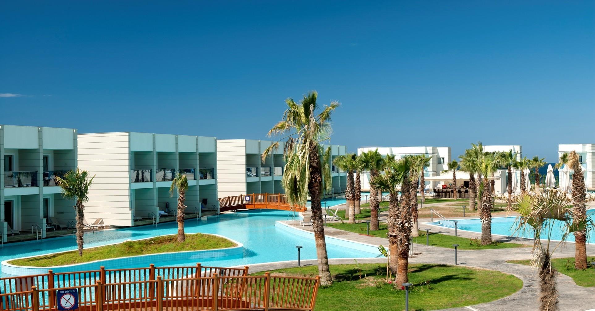 Aquasis De Luxe Resort & Spa - басейн