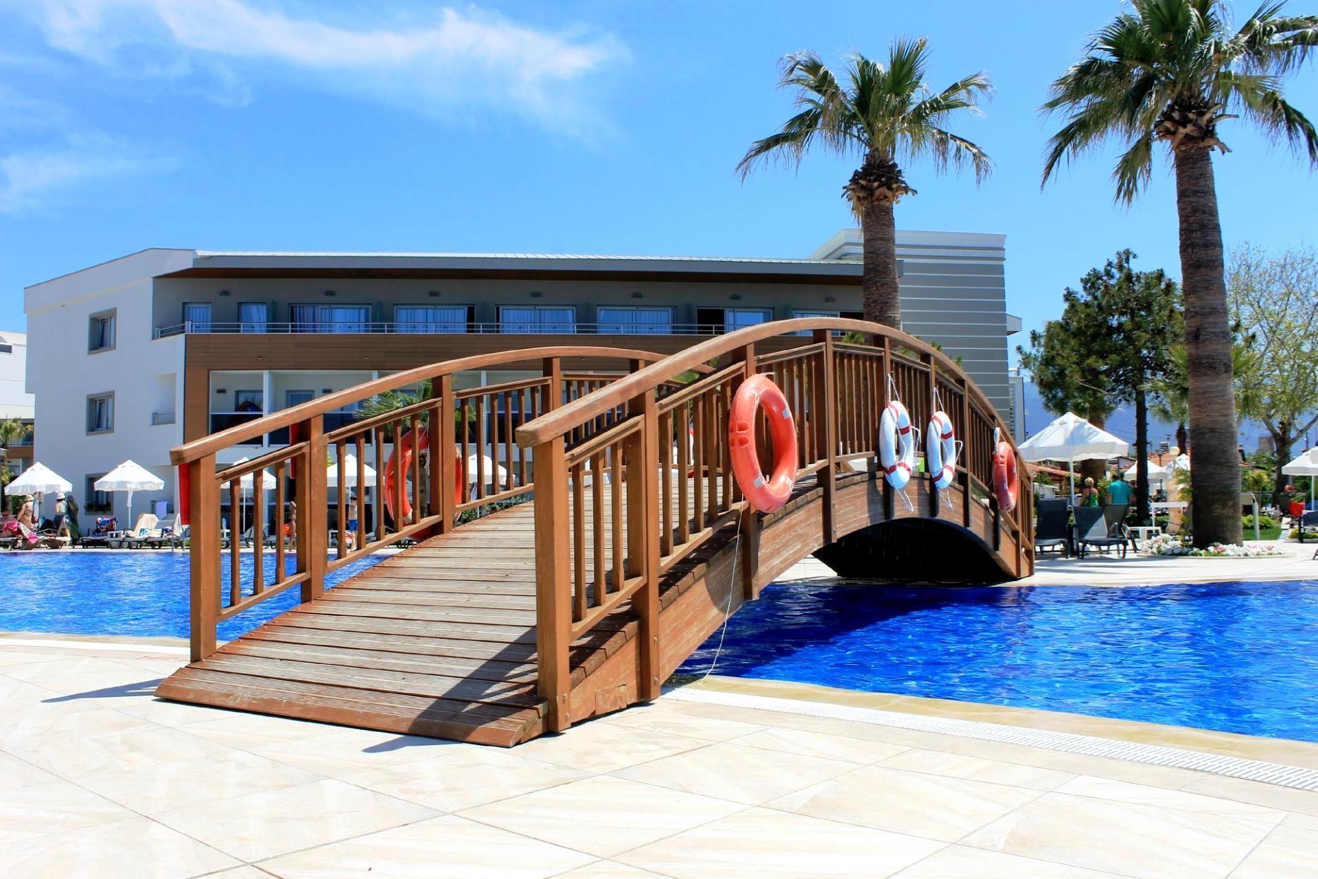Palm Wings Beach Resort&SPA - басейн
