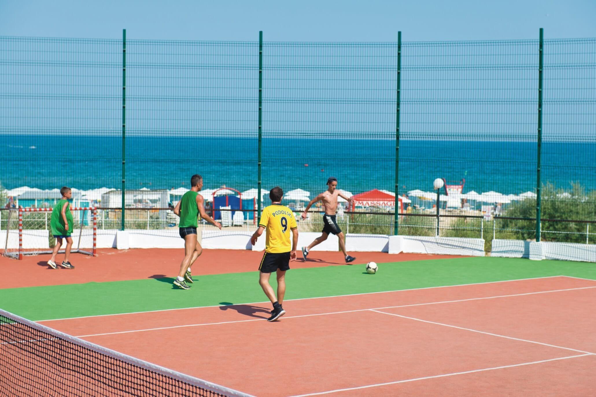 РИУ Хелиос Палас - тенис