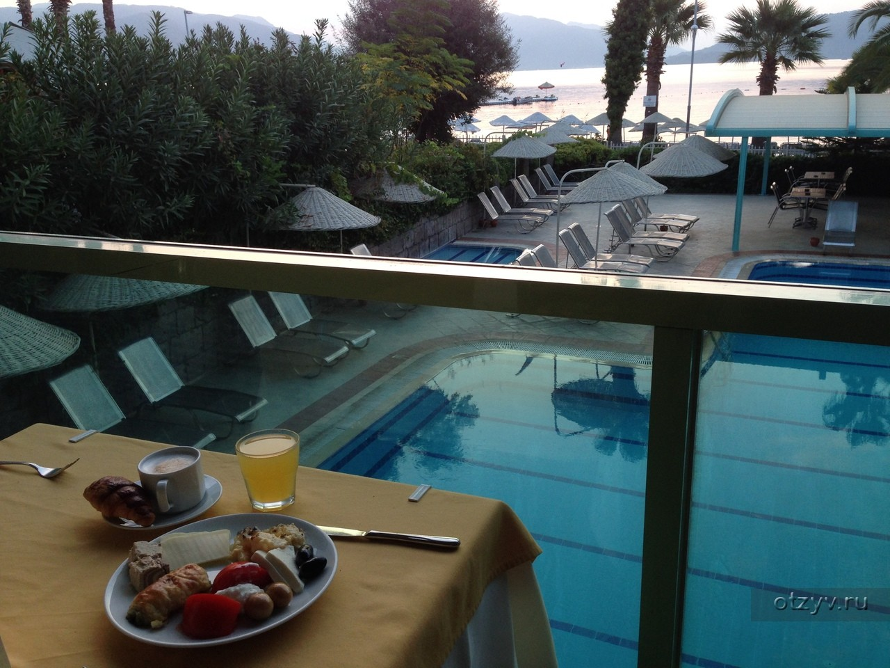 Flamingo Hotel - басейн