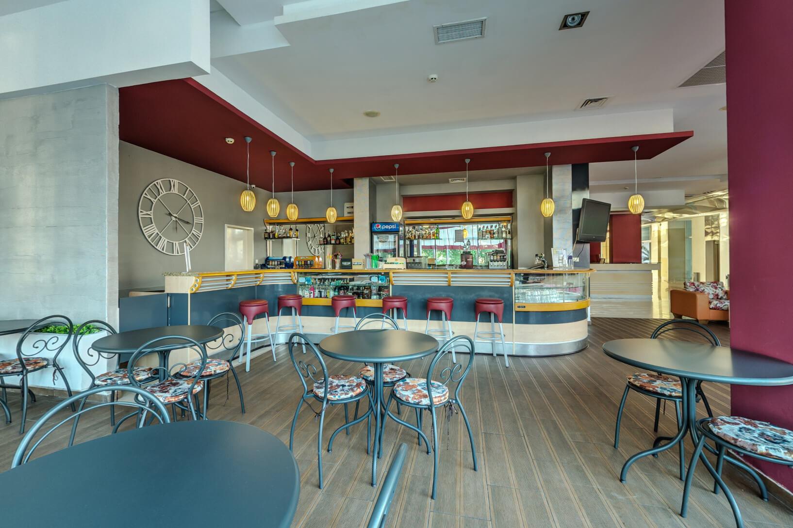 Хотел Феста Панорама - лоби бар