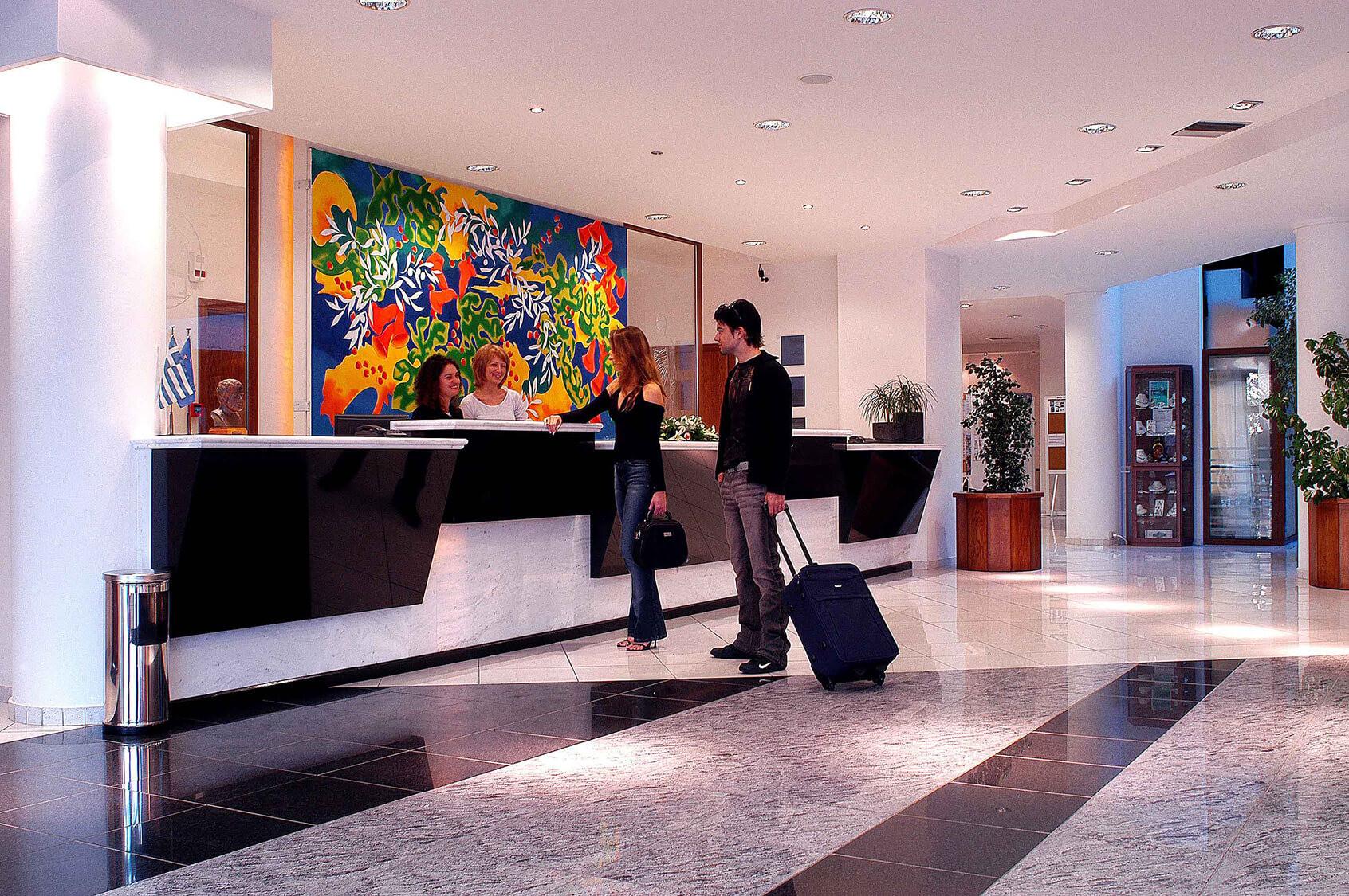 Aristoteles Holiday Resort & SPA - рецепция