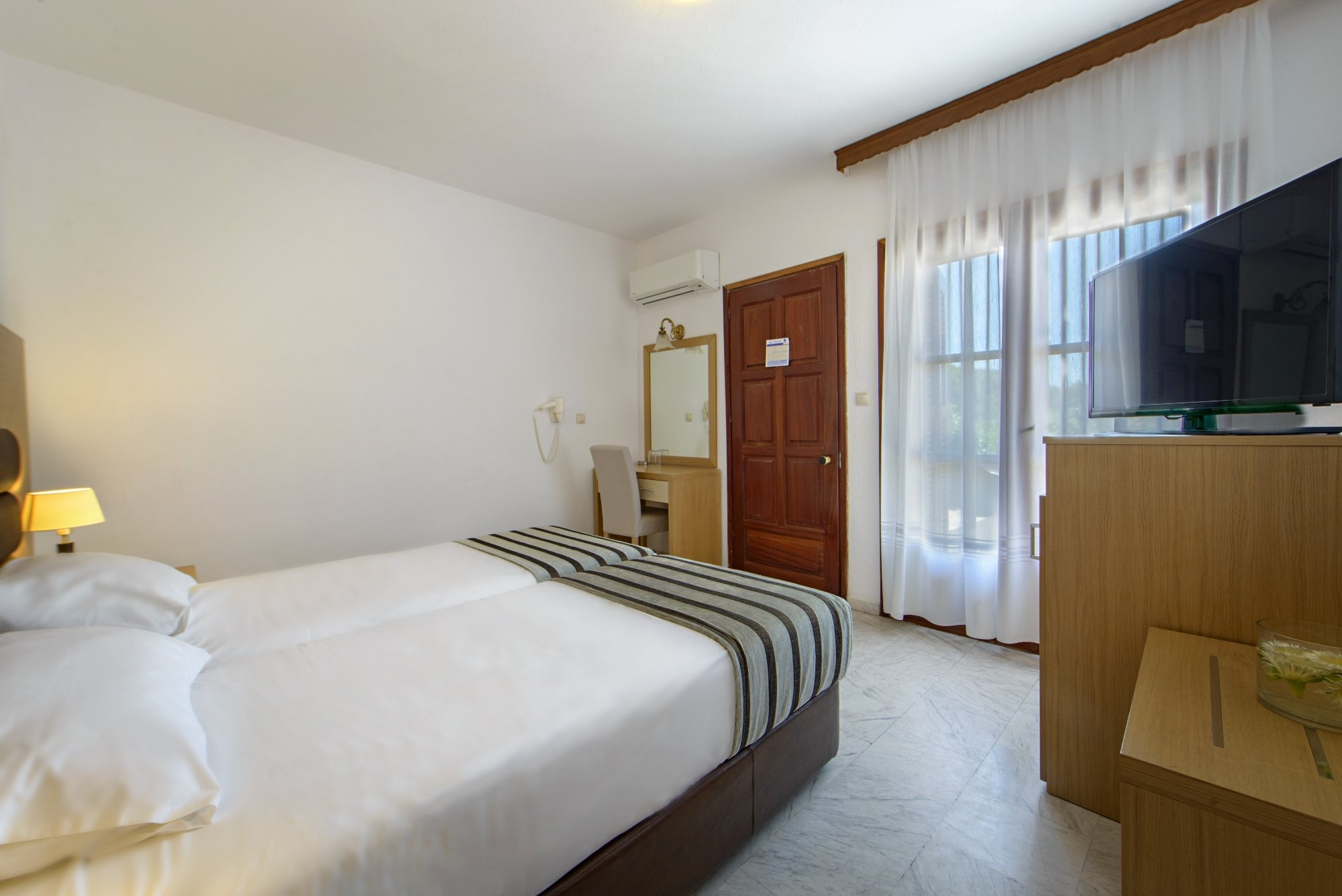 Aristoteles Holiday Resort & SPA - двойна стая
