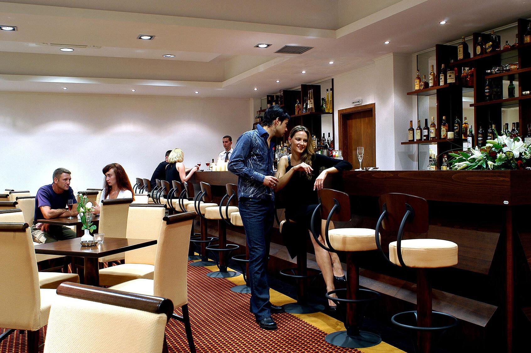 Aristoteles Holiday Resort & SPA - бар