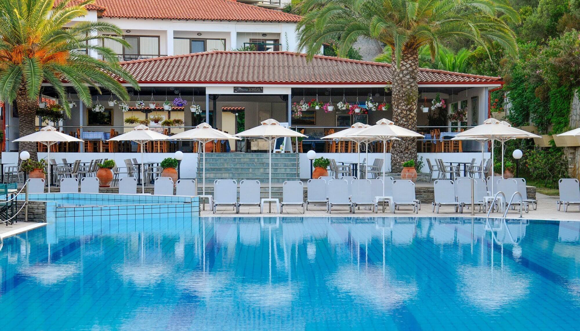 Aristoteles Holiday Resort & SPA - басейн