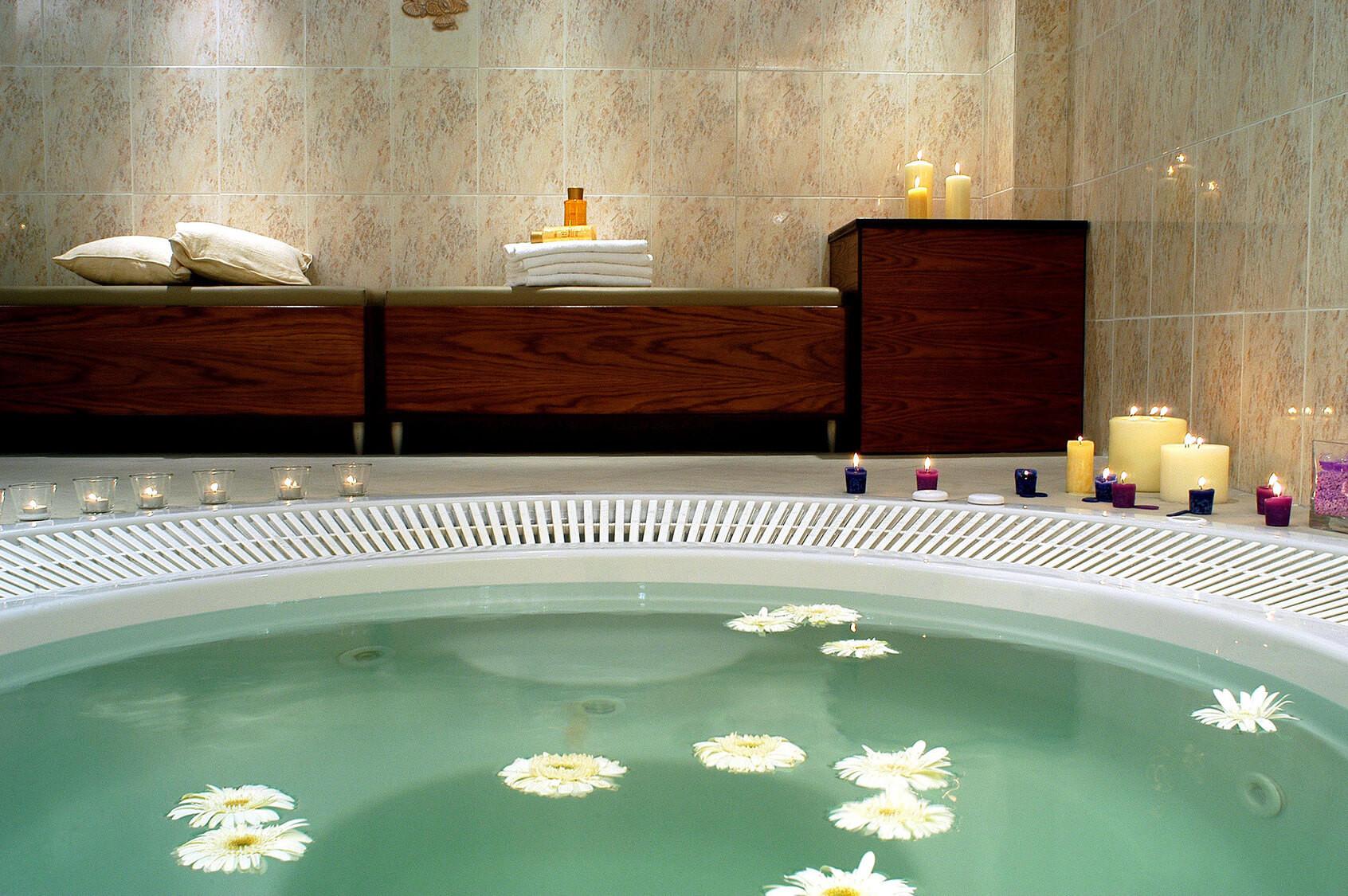Aristoteles Holiday Resort & SPA - джакузи