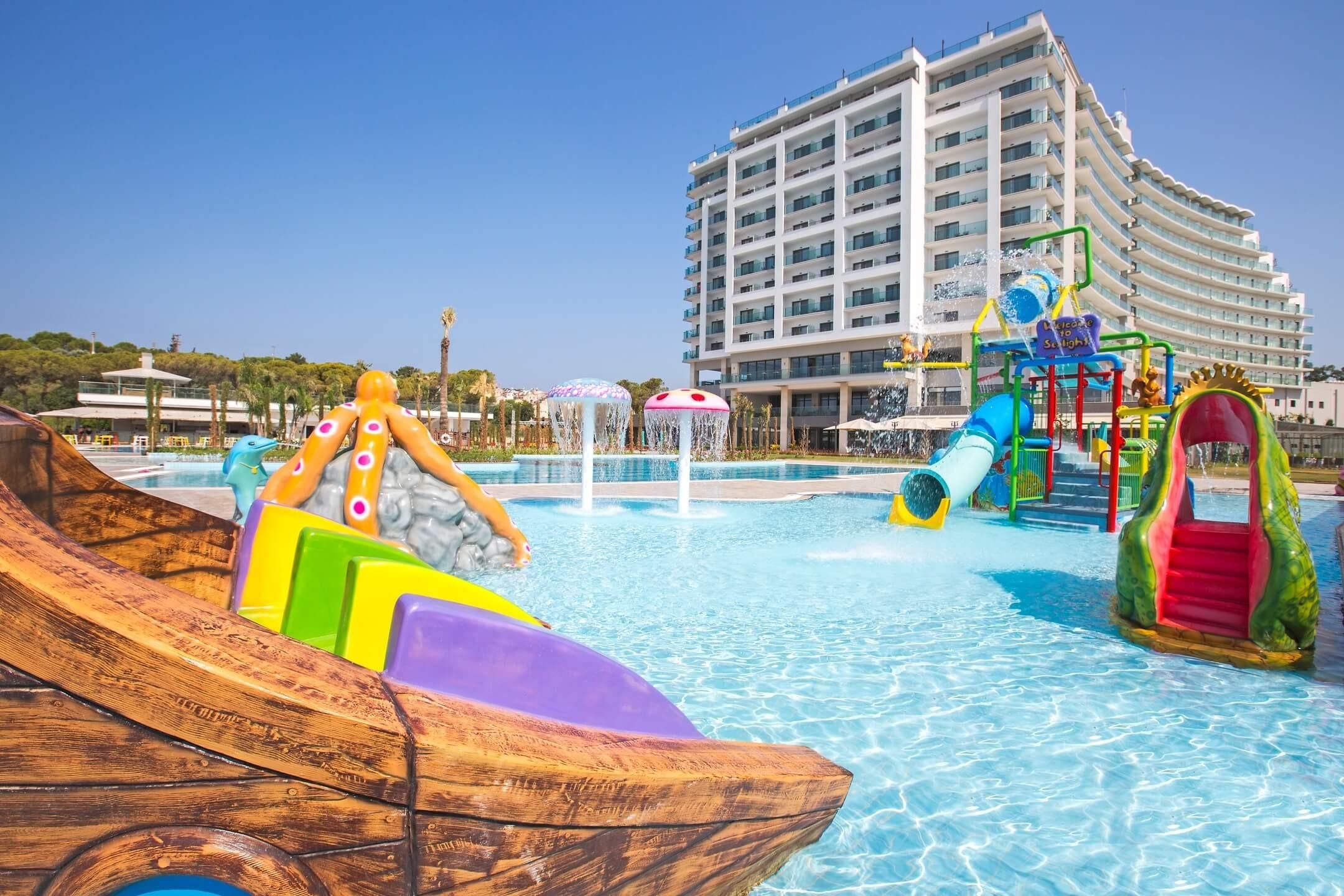 Amara Sealight Hotel - басейн