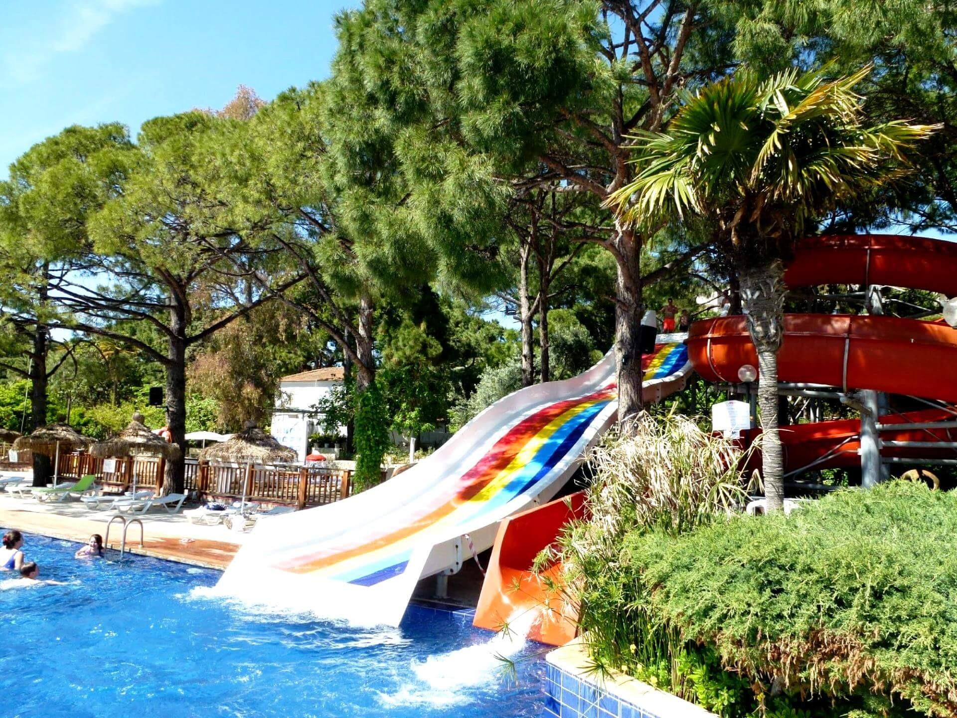 Omer Holiday Village - пързалки