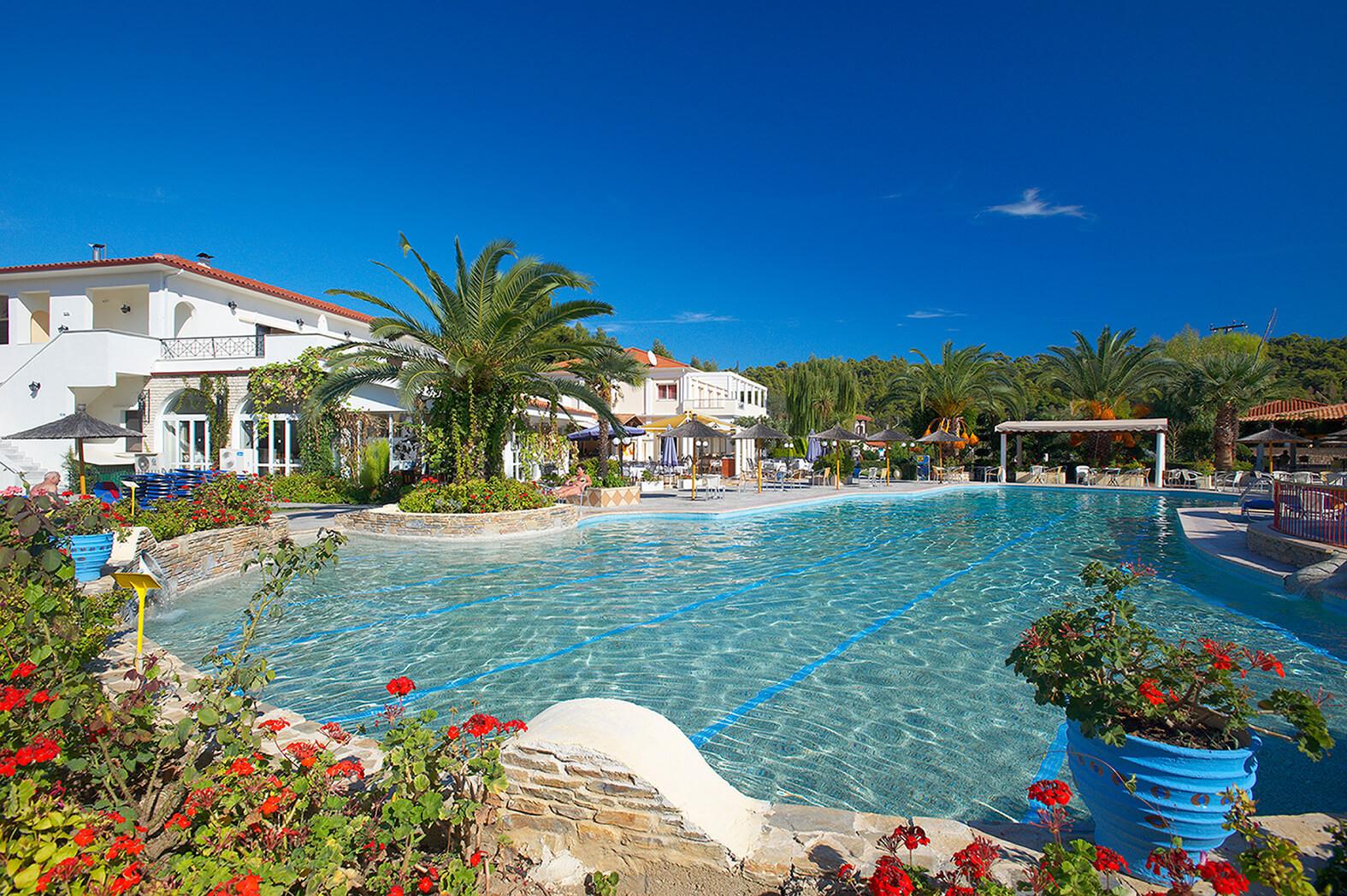 Chrousso Village Hotel - басейн