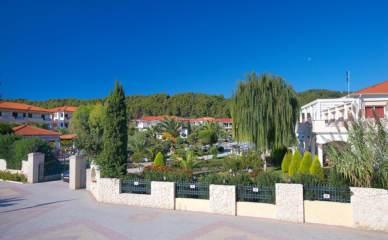 Chrousso Village Hotel - вход