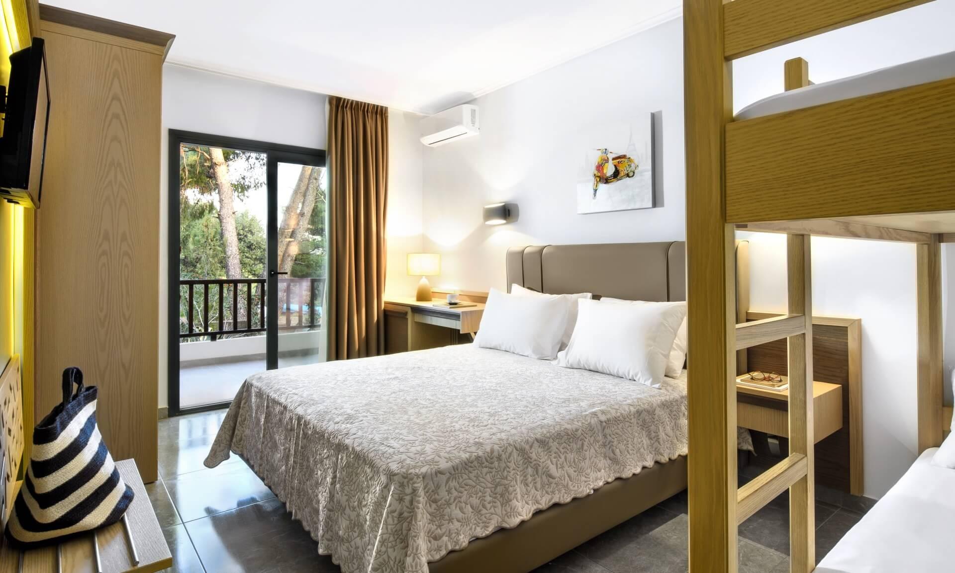 Philoxenia Bungalows Hotel - двойна стая с двуетажно легло