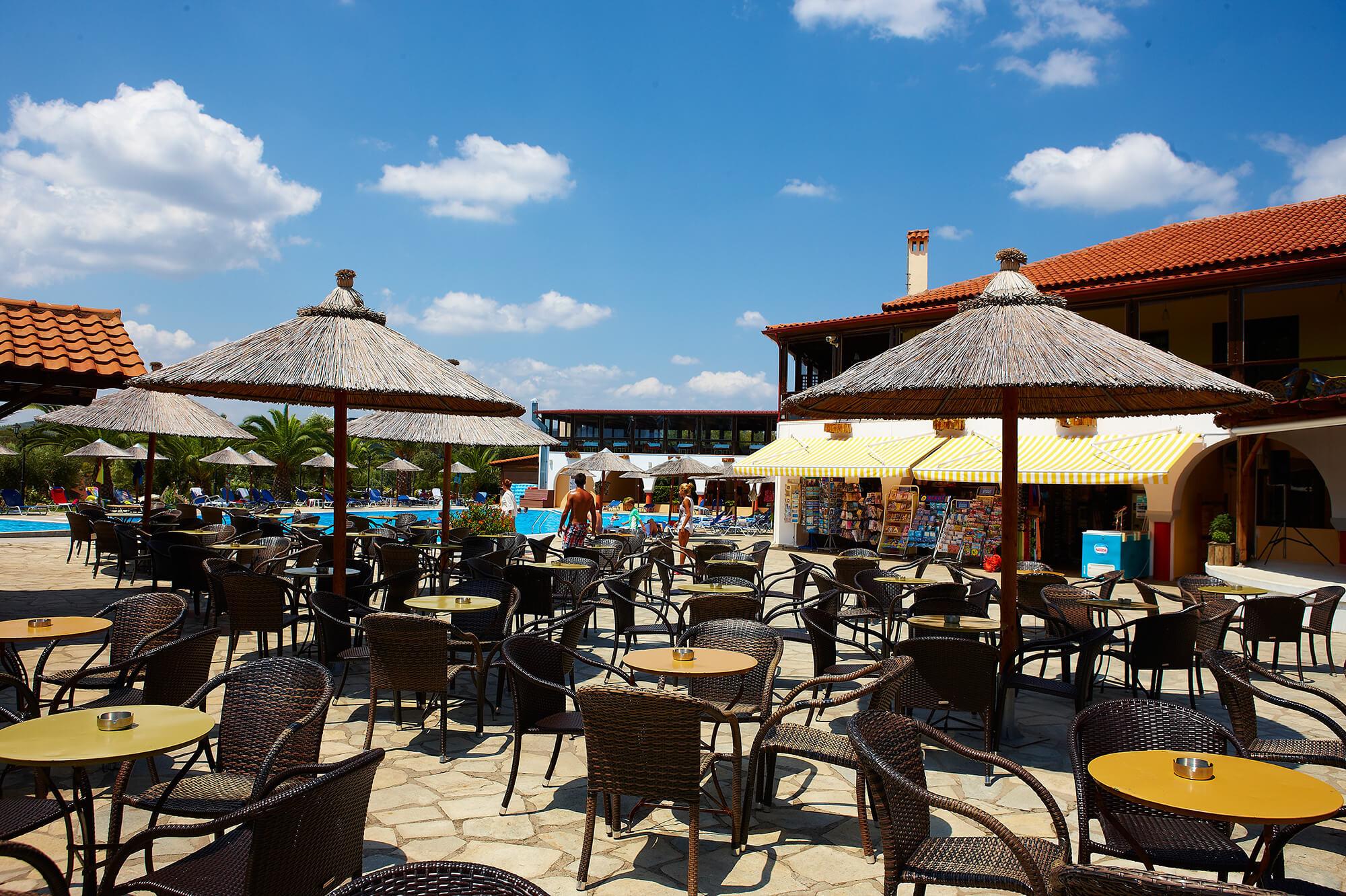 Blue Dolphin Hotel - бар