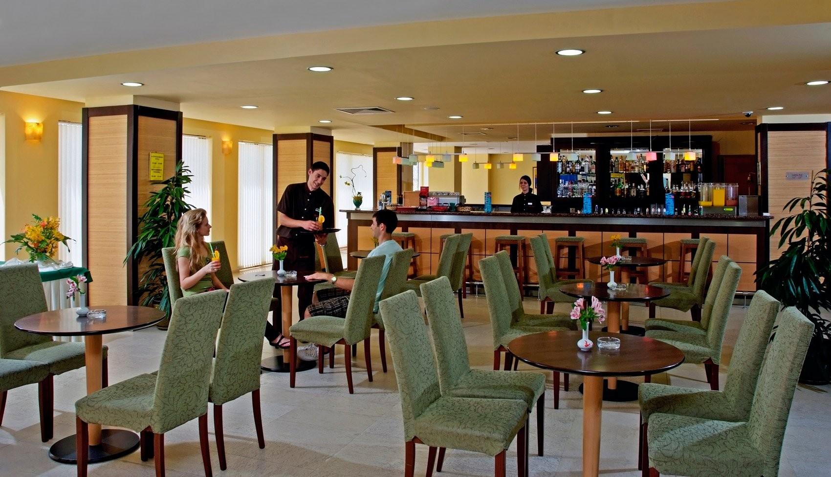 Хотели Сол Несебър Бей и Маре - бар