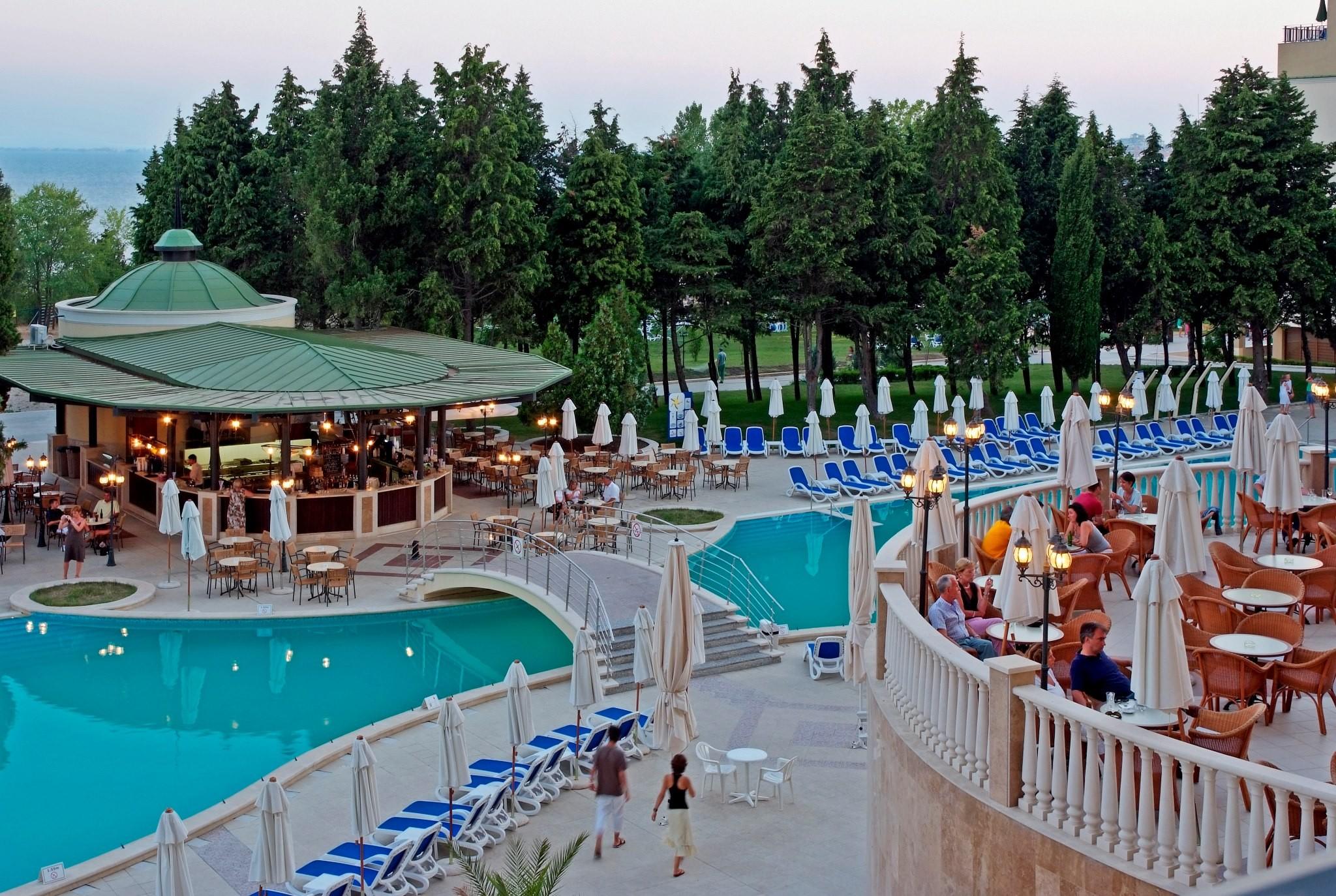 Хотел Сол Несебър Палас - басейн
