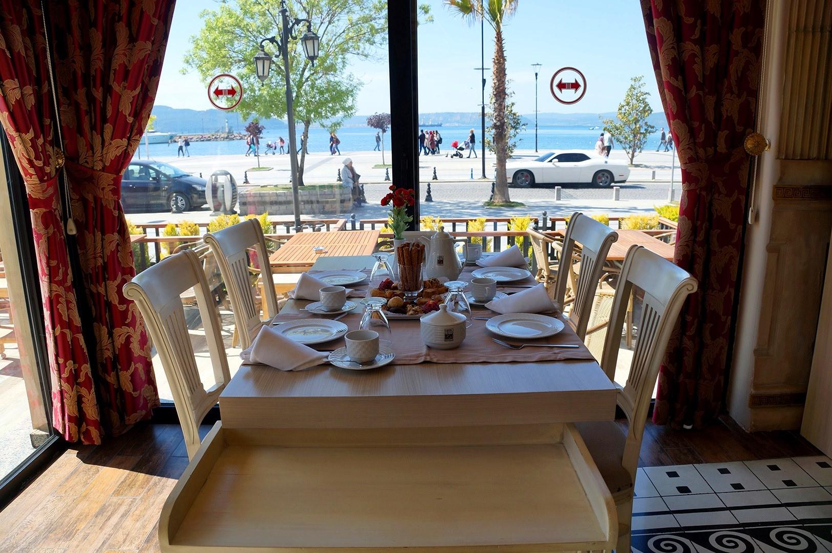 Хотел Buyuk Truva 4* - кафе бар