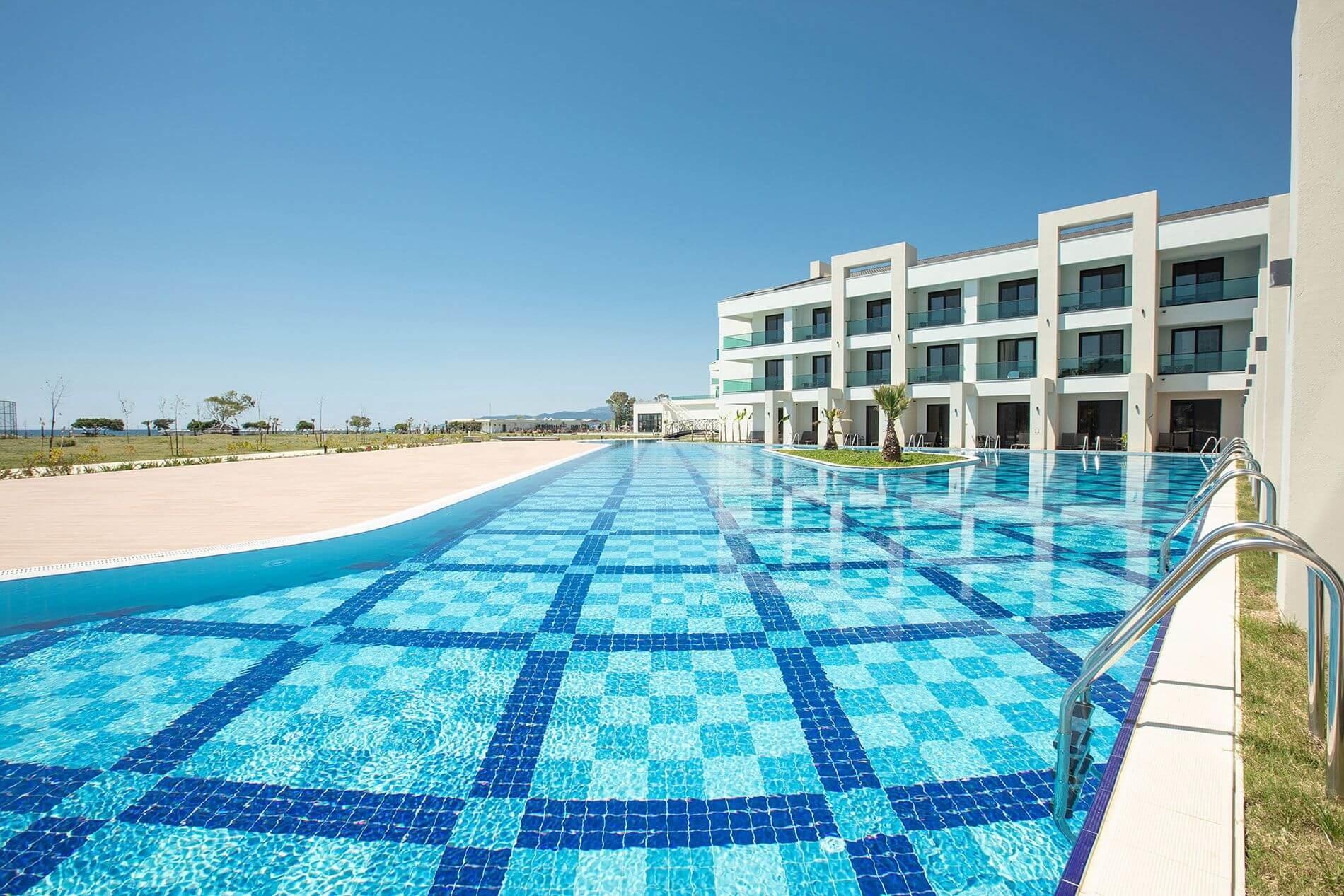 KoruMar Ephesus Beach & Spa Resort - басейн