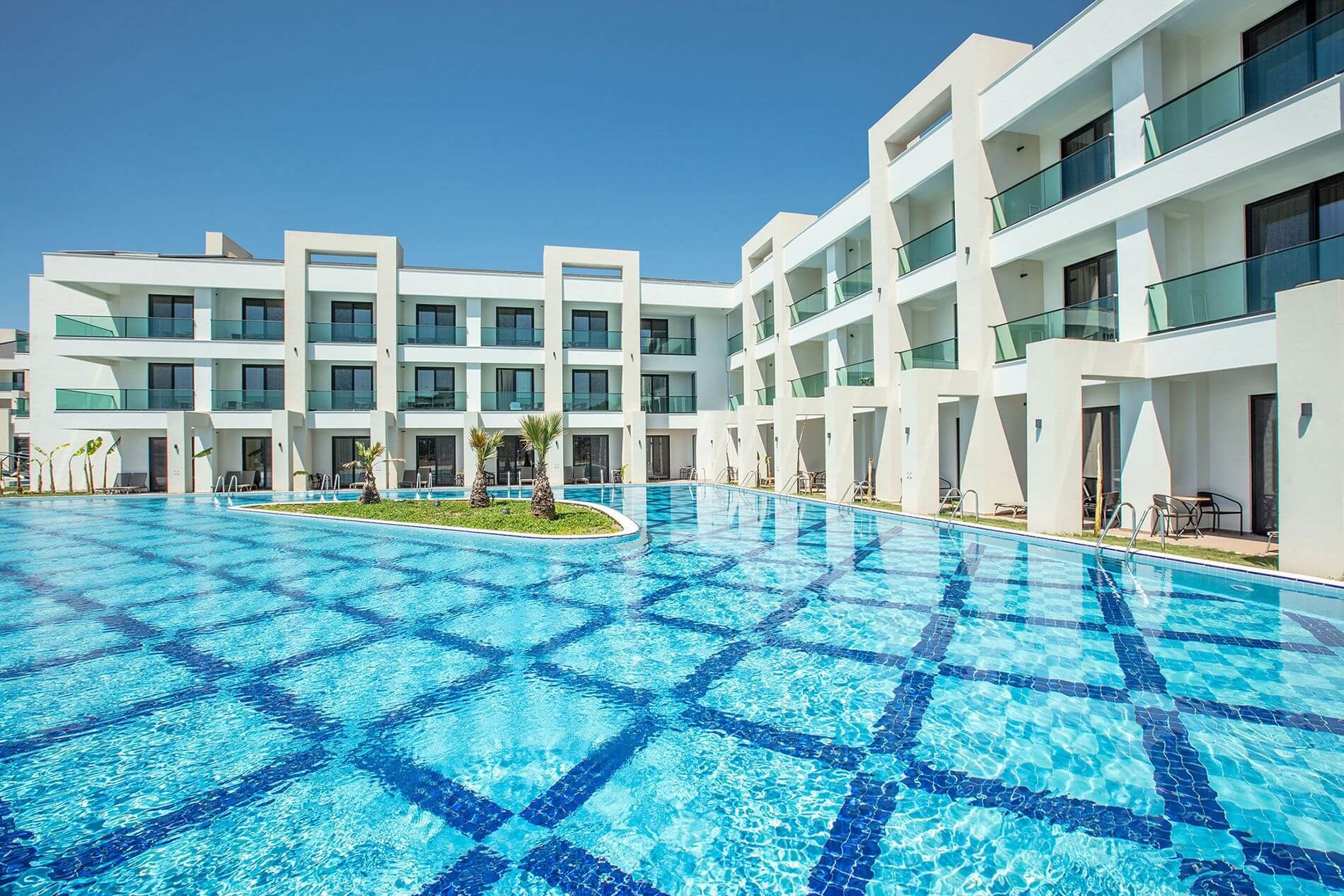 KoruMar Ephesus Beach & Spa Resort - басейн