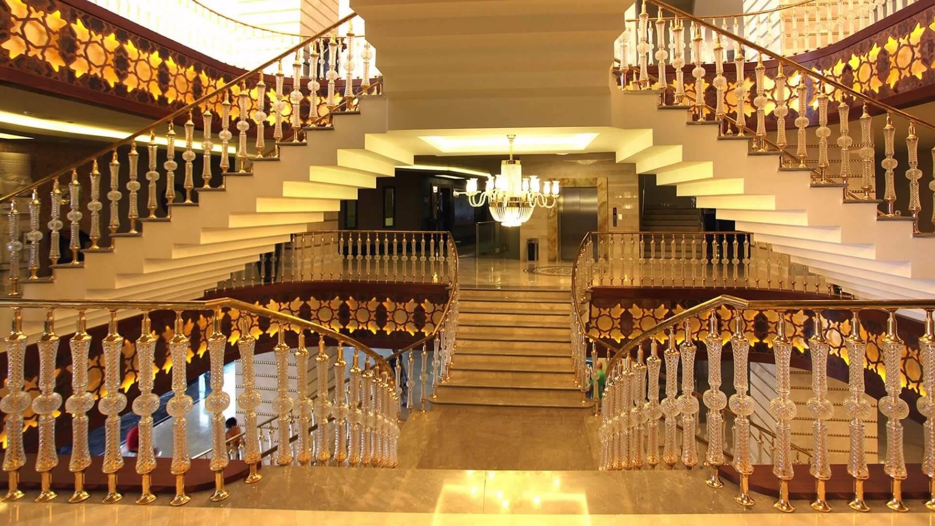 Royal Alhambra Palace - лоби