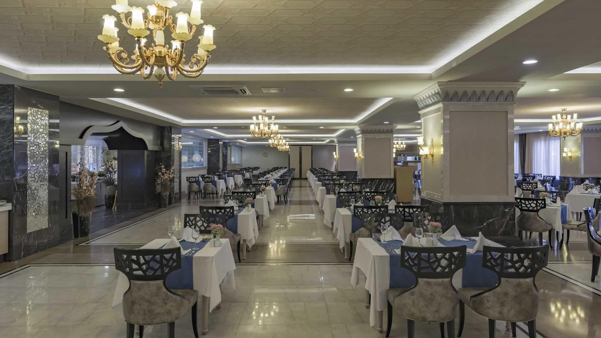 Royal Alhambra Palace - ресторант