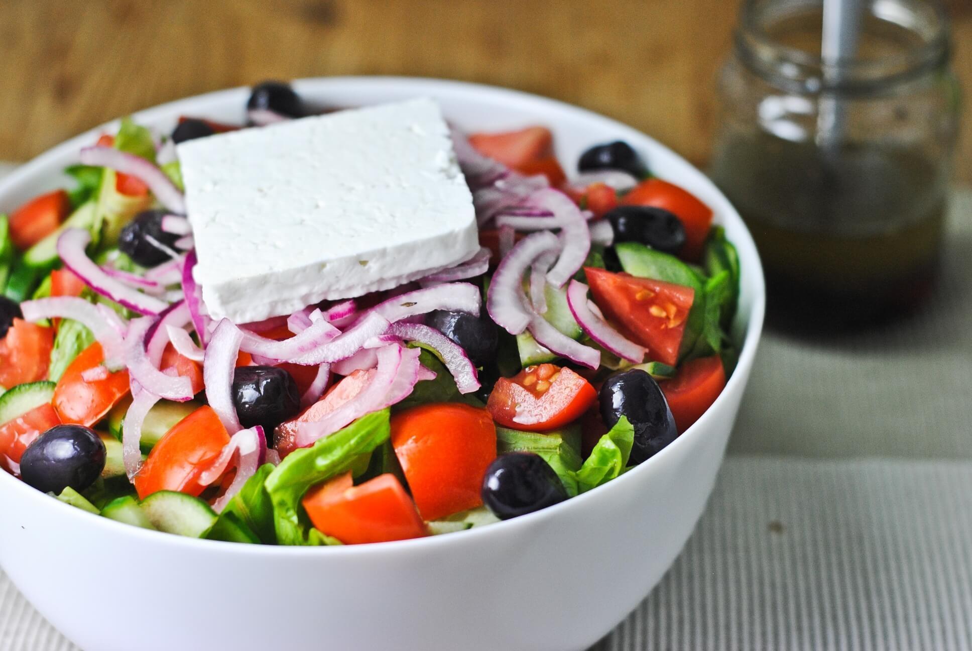 Атина  - гръцка салата