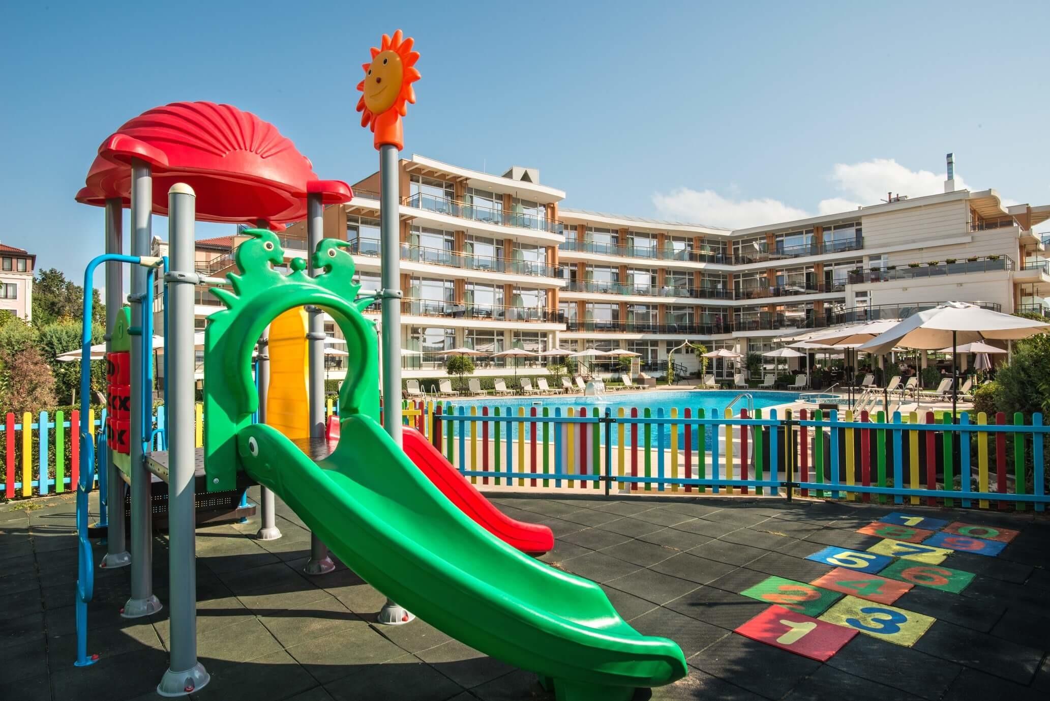 Хотел Мирамар - детска площадка