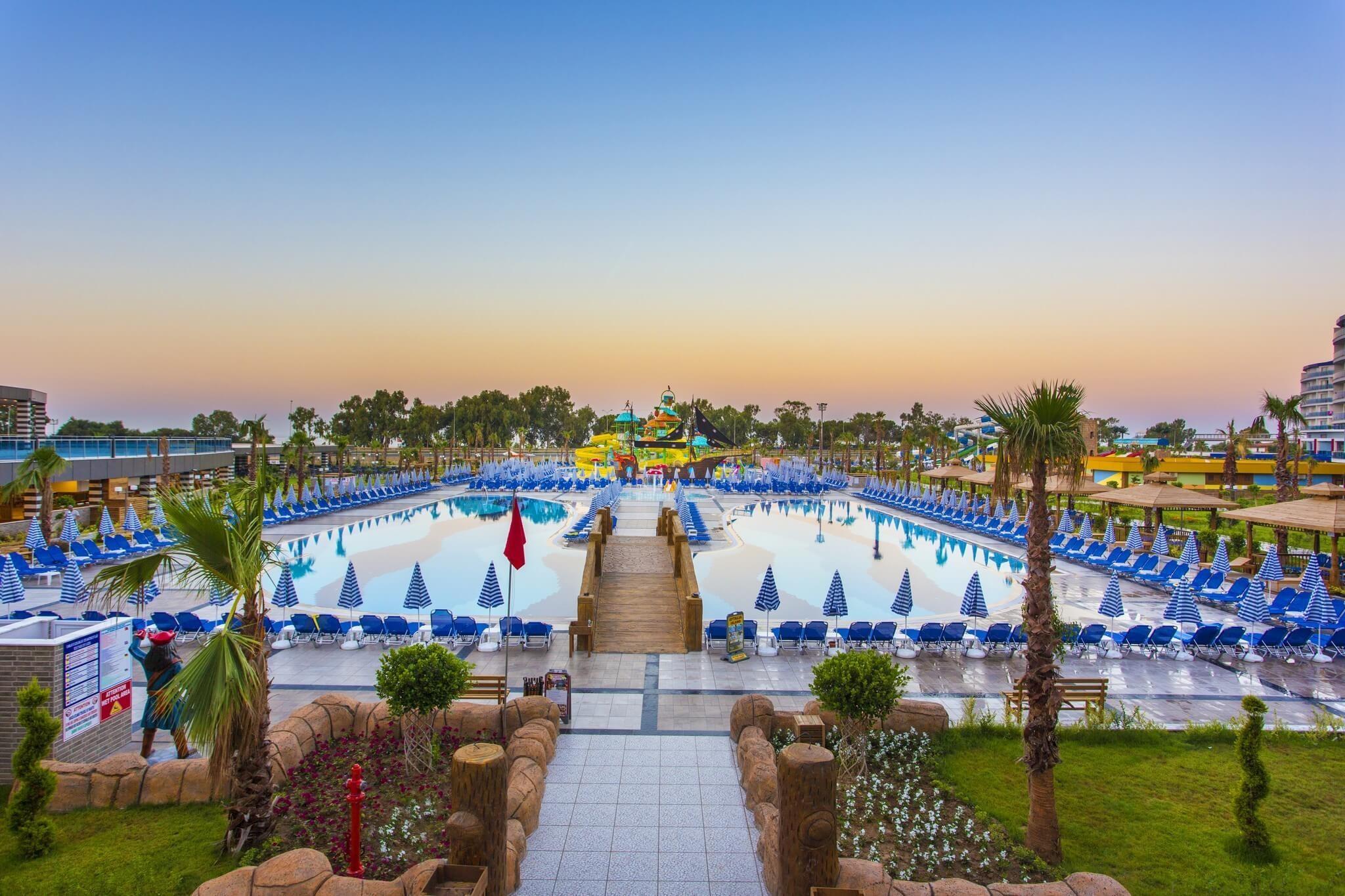 Eftalia Ocean Resort and SPA - басейн