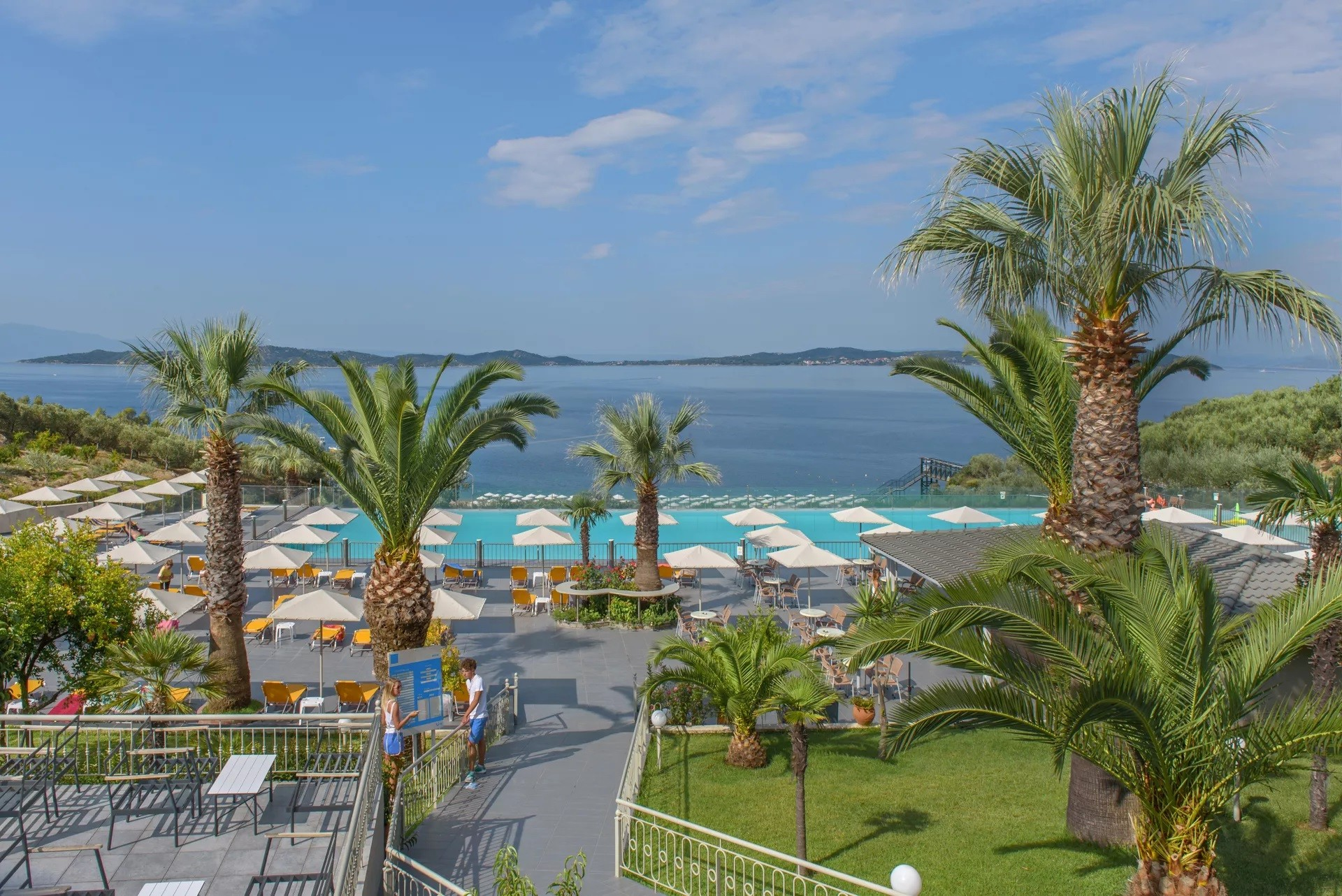 Akrathos Hotel - басейн