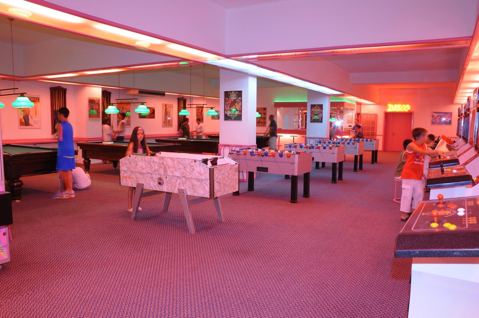 Club Hotel Grand Efe - игрална зала