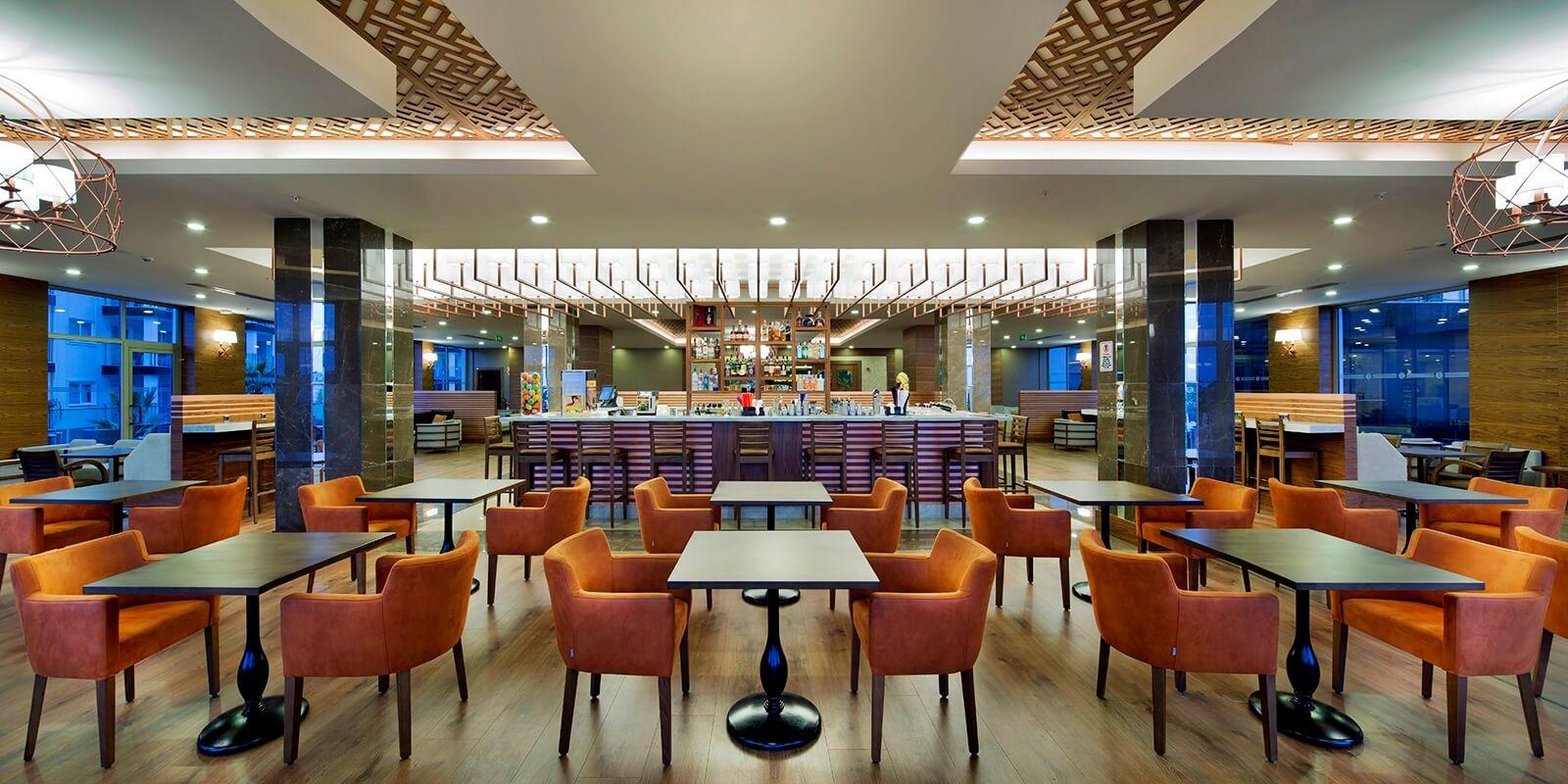 Рамада Голф - бар