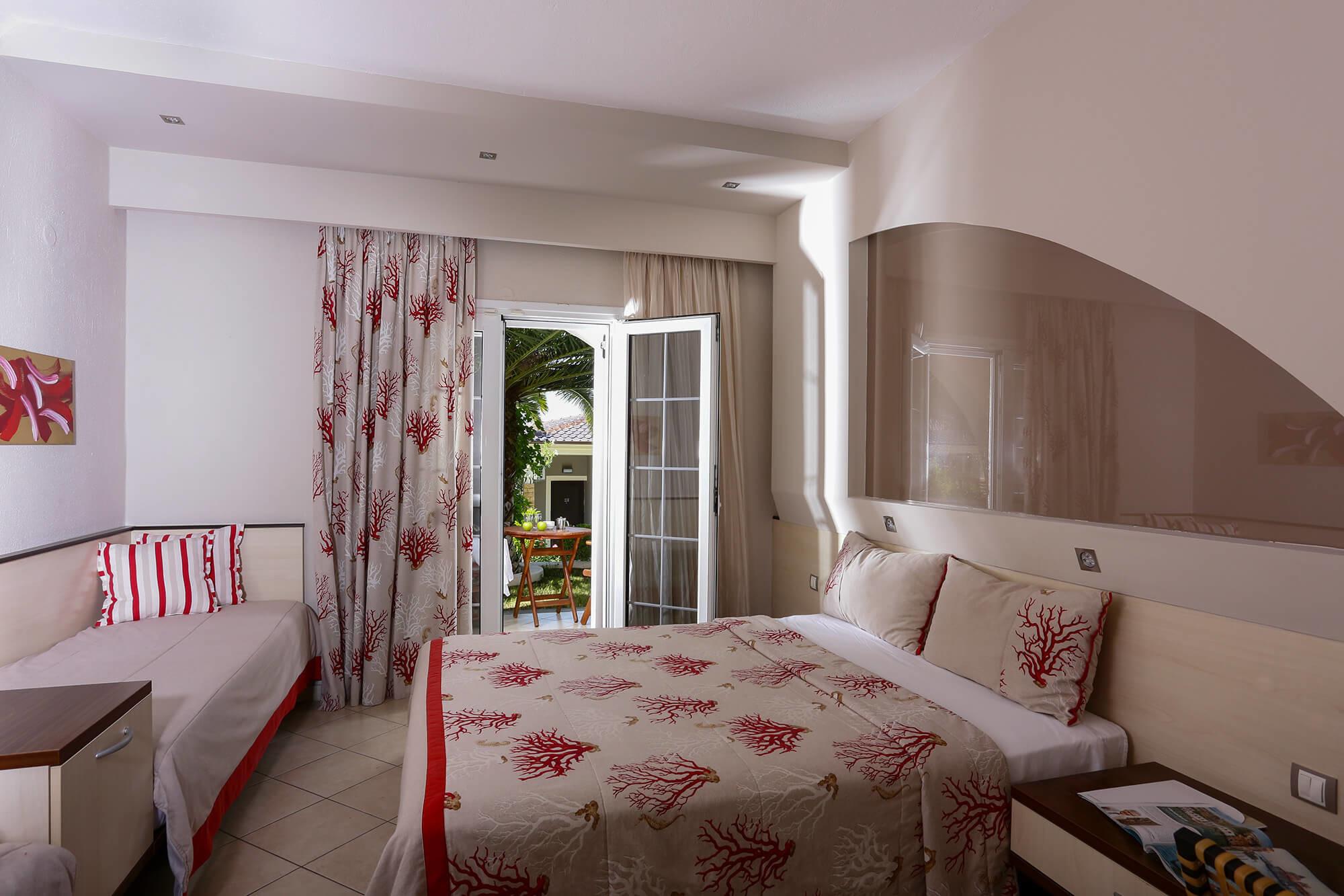 Alexandra Beach - стая