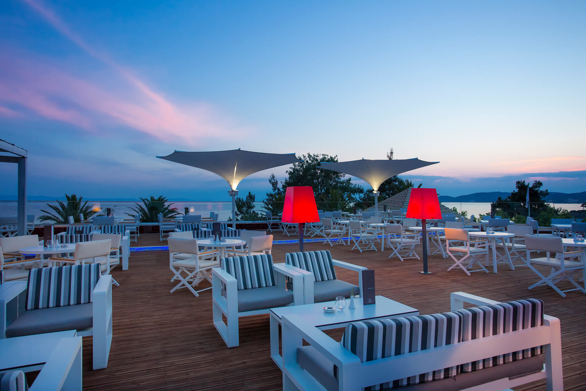 Alexandra Beach - бар