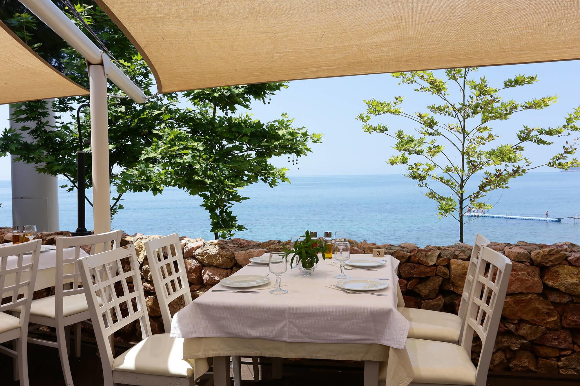 Alexandra Beach - ресторант