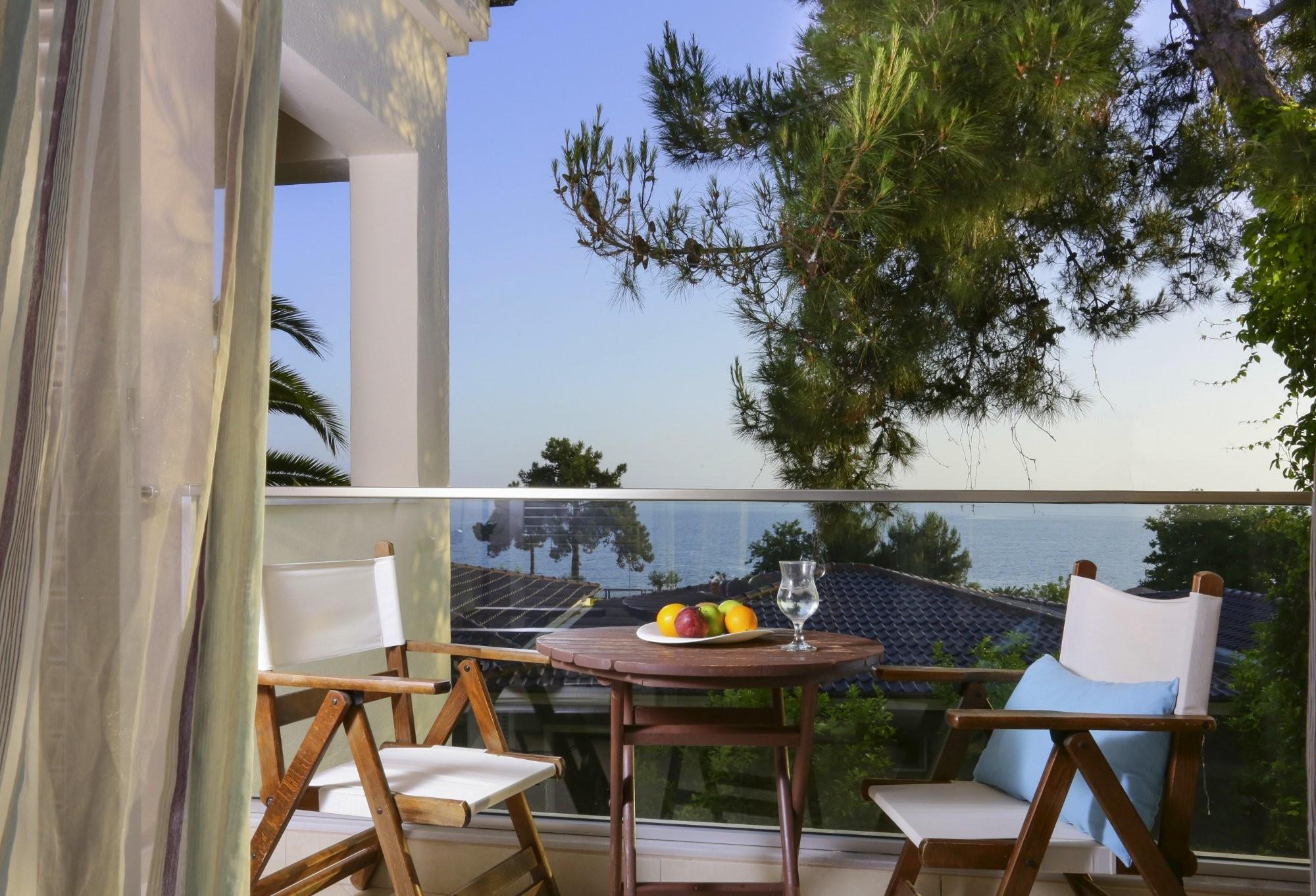 Alexandra Beach - тераса
