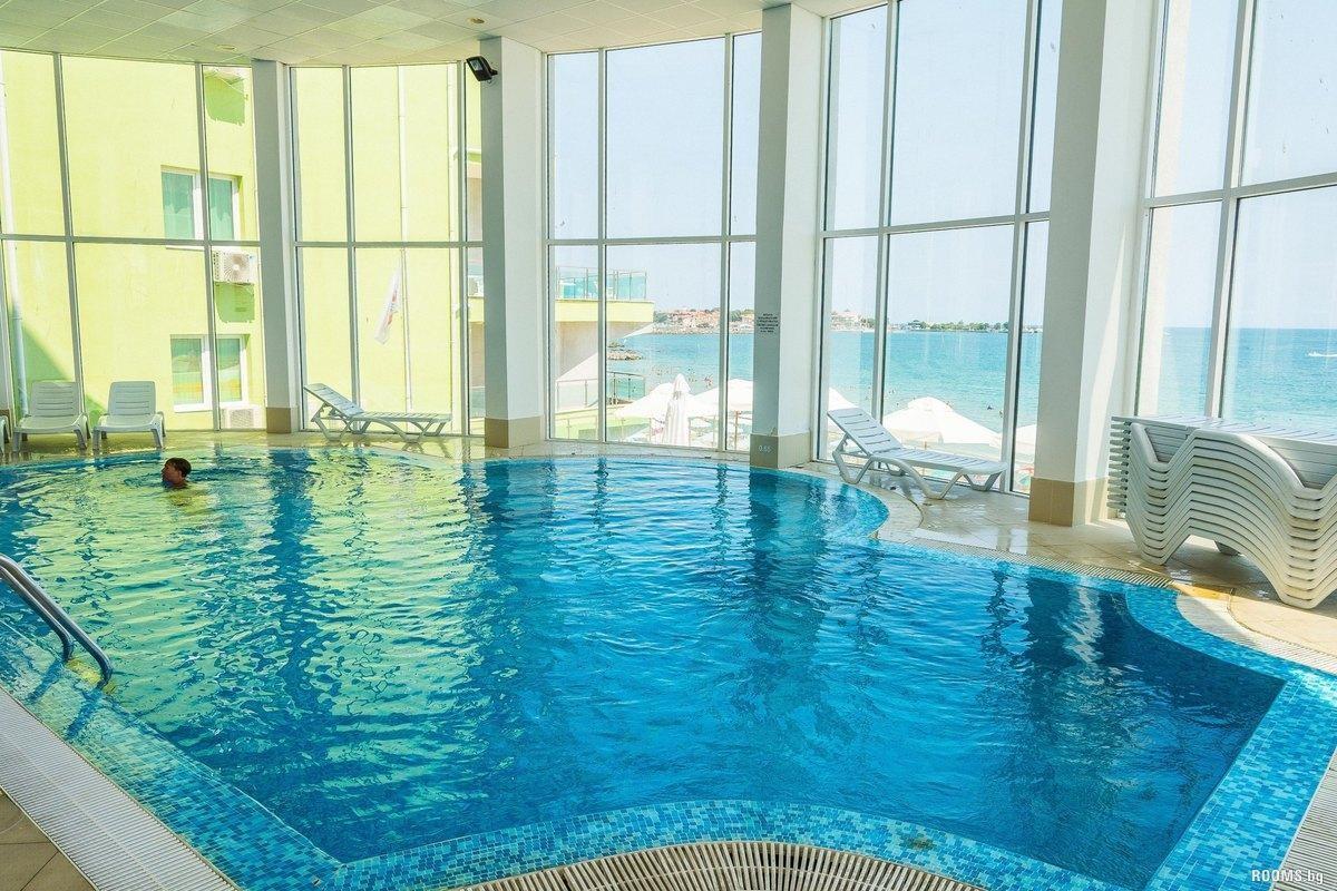 Хотел Арсена - вътрешен басейн